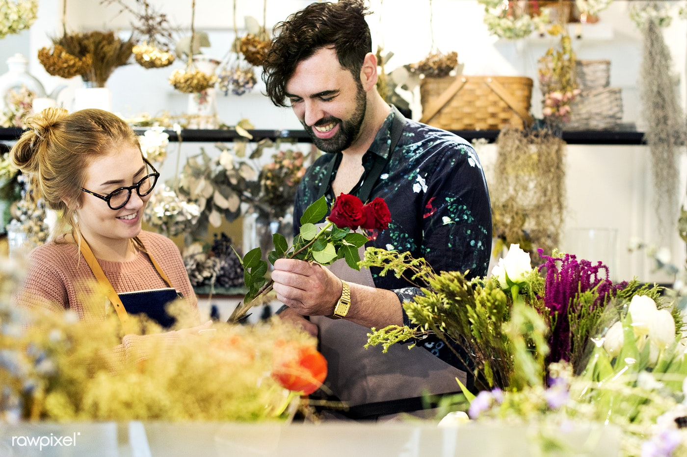 Florists making flower bouquet together id 398783 florists making flower bouquet together izmirmasajfo
