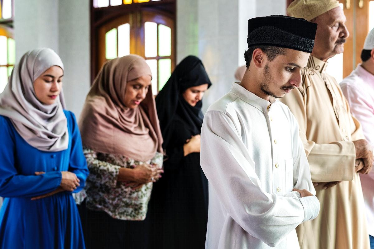 Muslim praying at the mosque