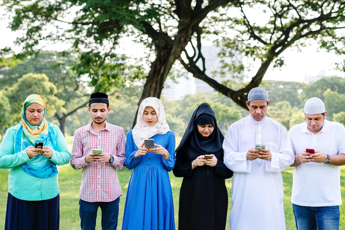 Muslim friends using social media