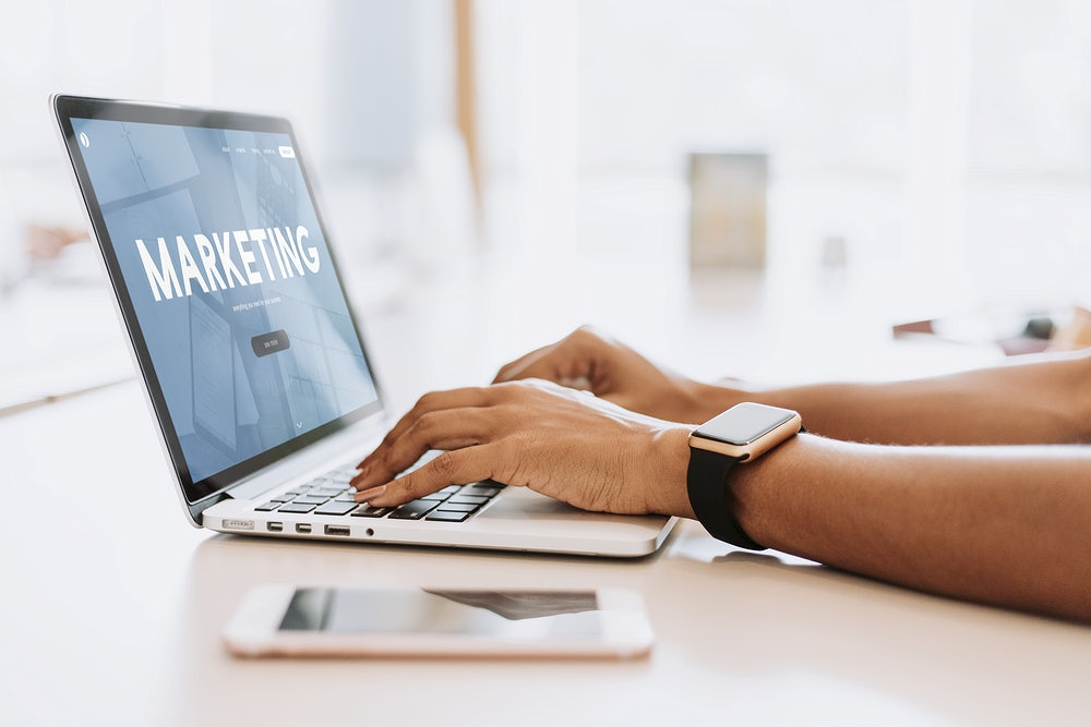 How To Become a Successful Internet Marketing Specialist