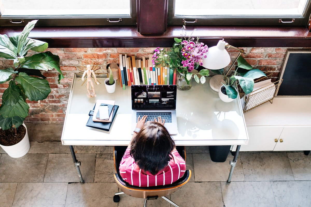 Businesswoman working at the desk