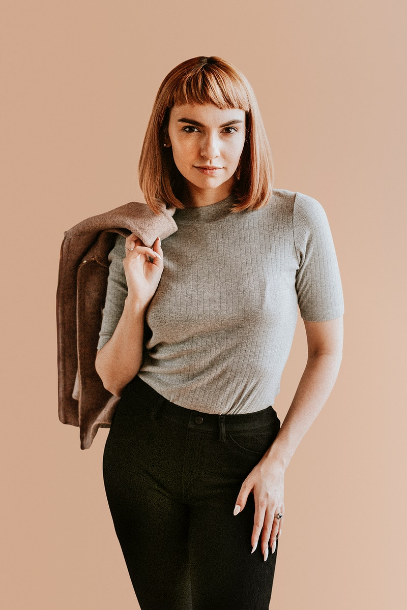 Short brown hair woman in a studio shoot