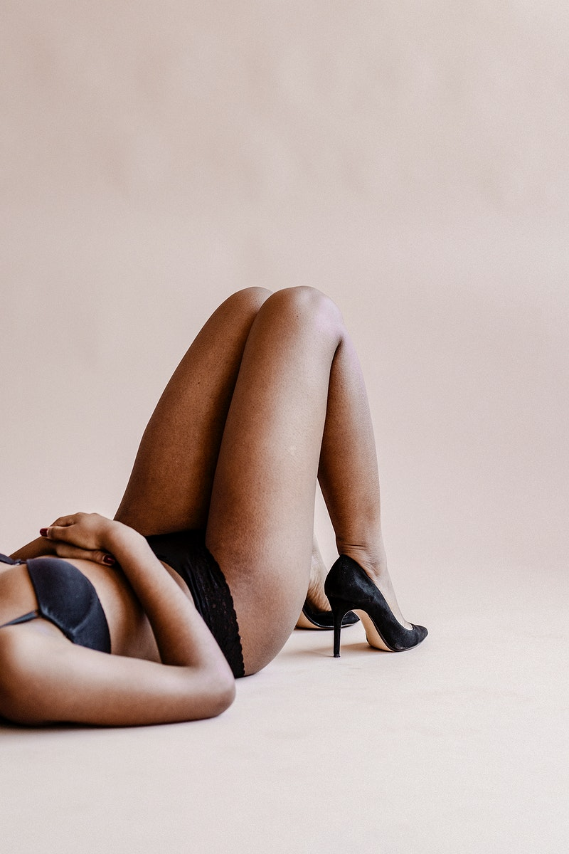 Half-naked black woman with heels on the floor social template