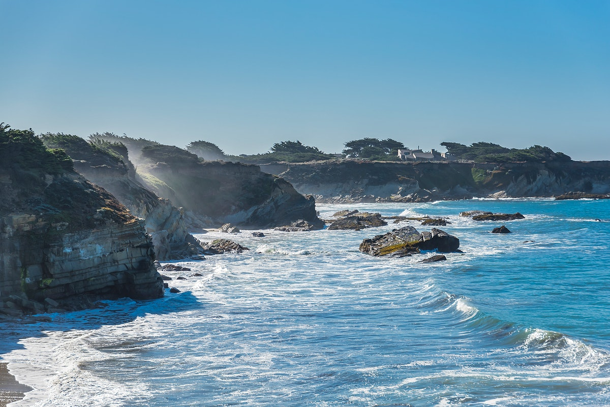 Waves and cliffs in Northern California