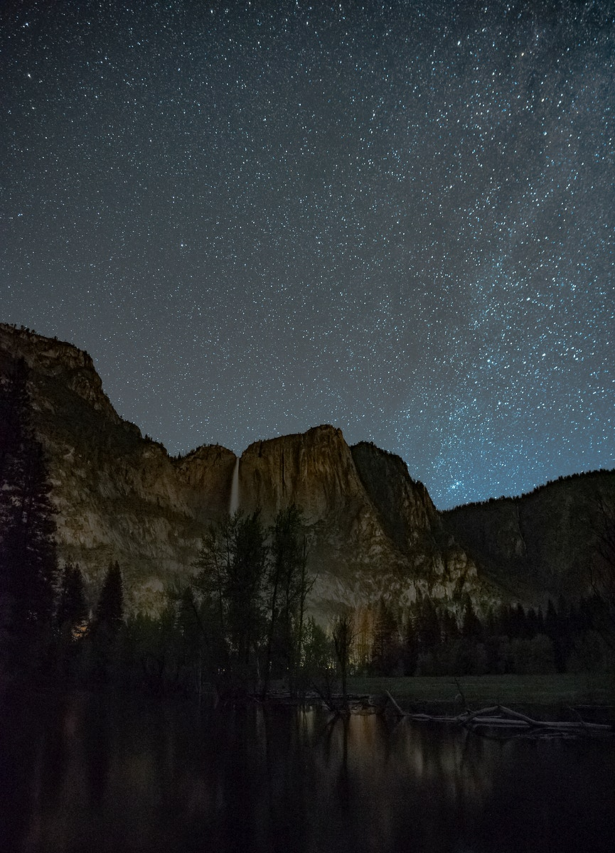 View of mountains in Yosemite National Park, California