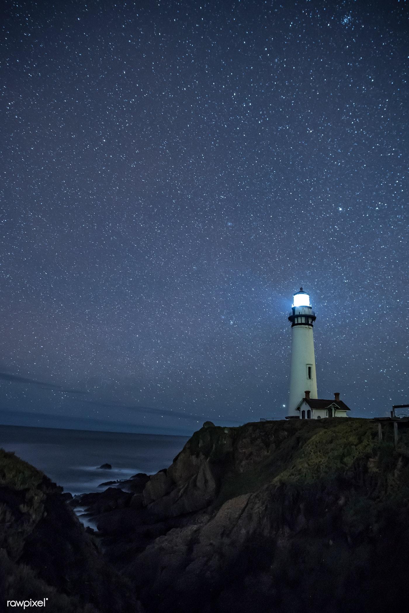 Lighthouse at night | Free stock photo - 429791