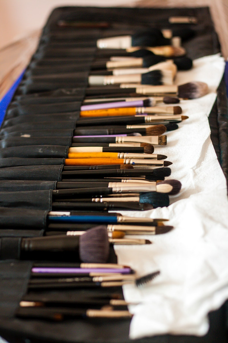 Case with paintbrushes. Visit Kaboompics for more free images.
