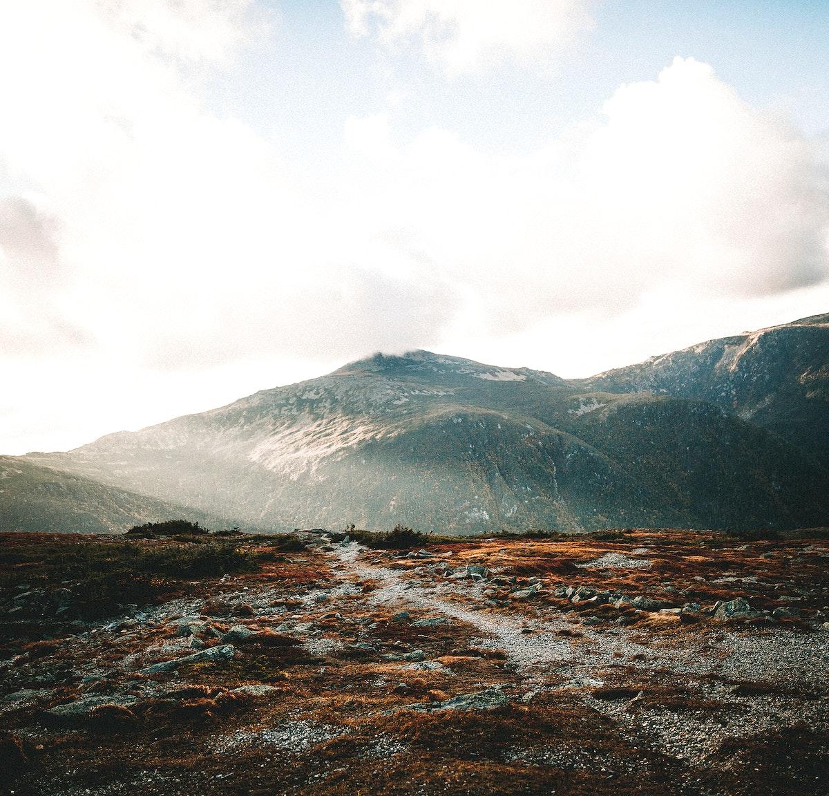 Sunlight over Mount Washington in New Hampshire, USA