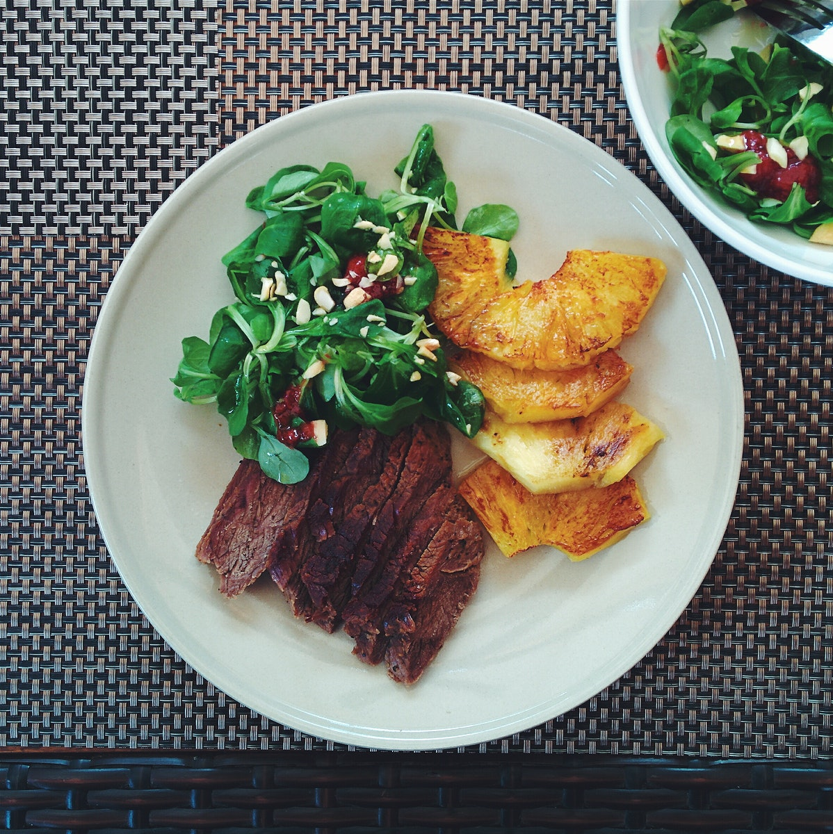 Summer roast beef with pineapple