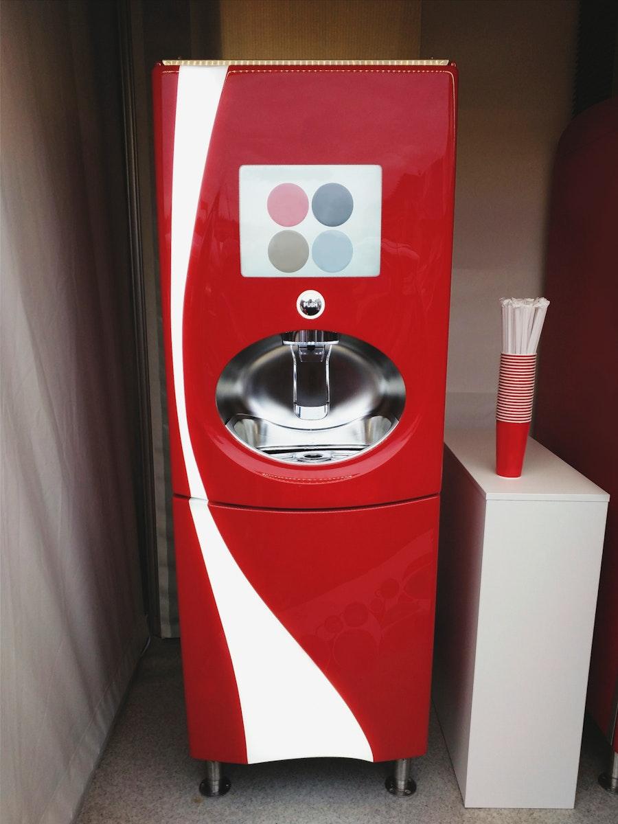 Coca-cola freestyle vending machine