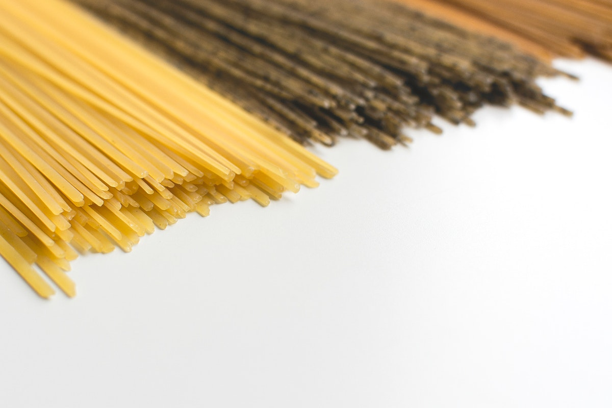Tricolor spaghettis food photography