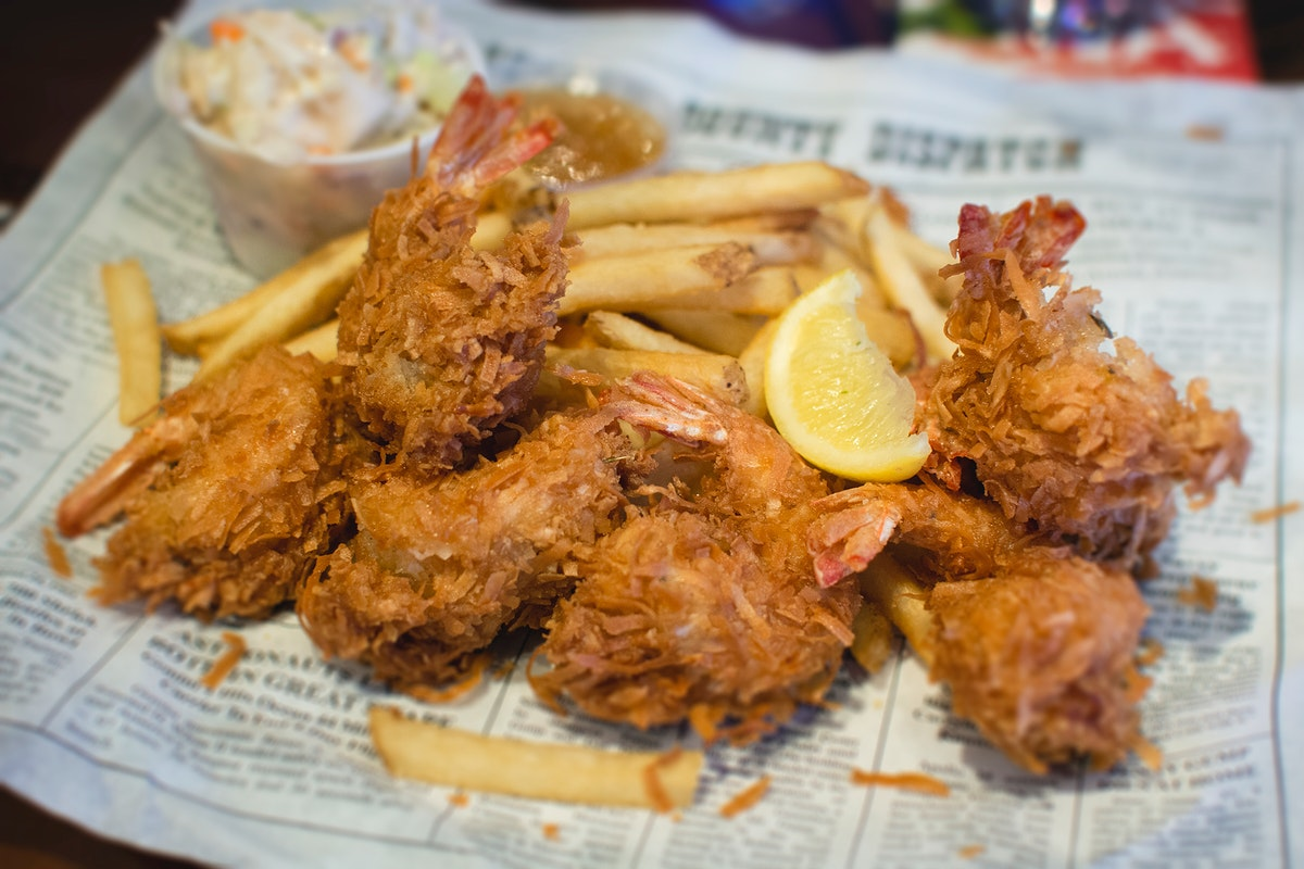 Fried shrimps with fries