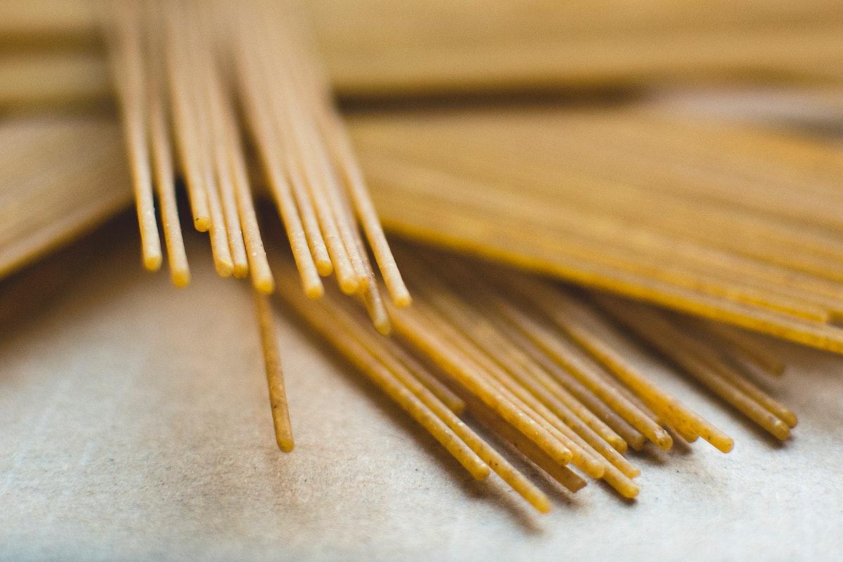 Wholewheat spaghetti food photography