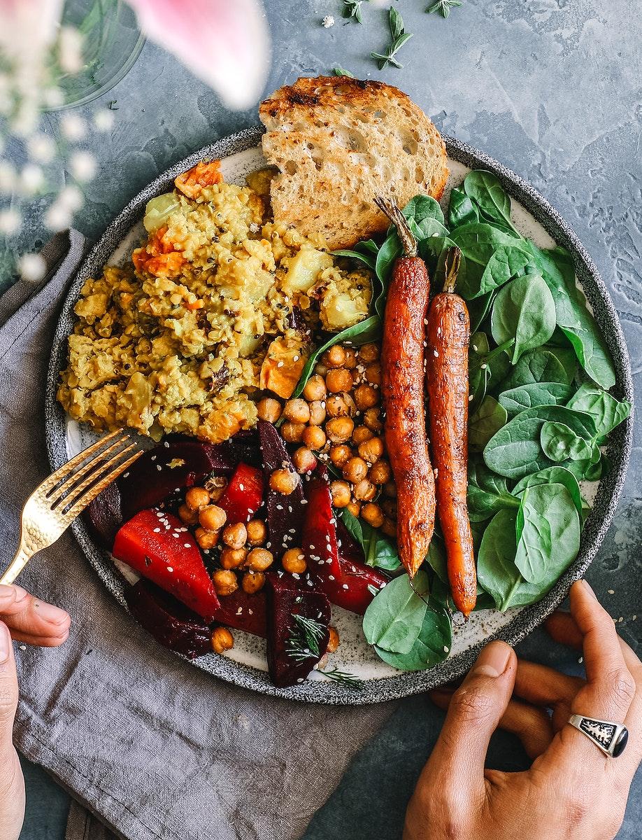 Cheap and healthy salad bowl