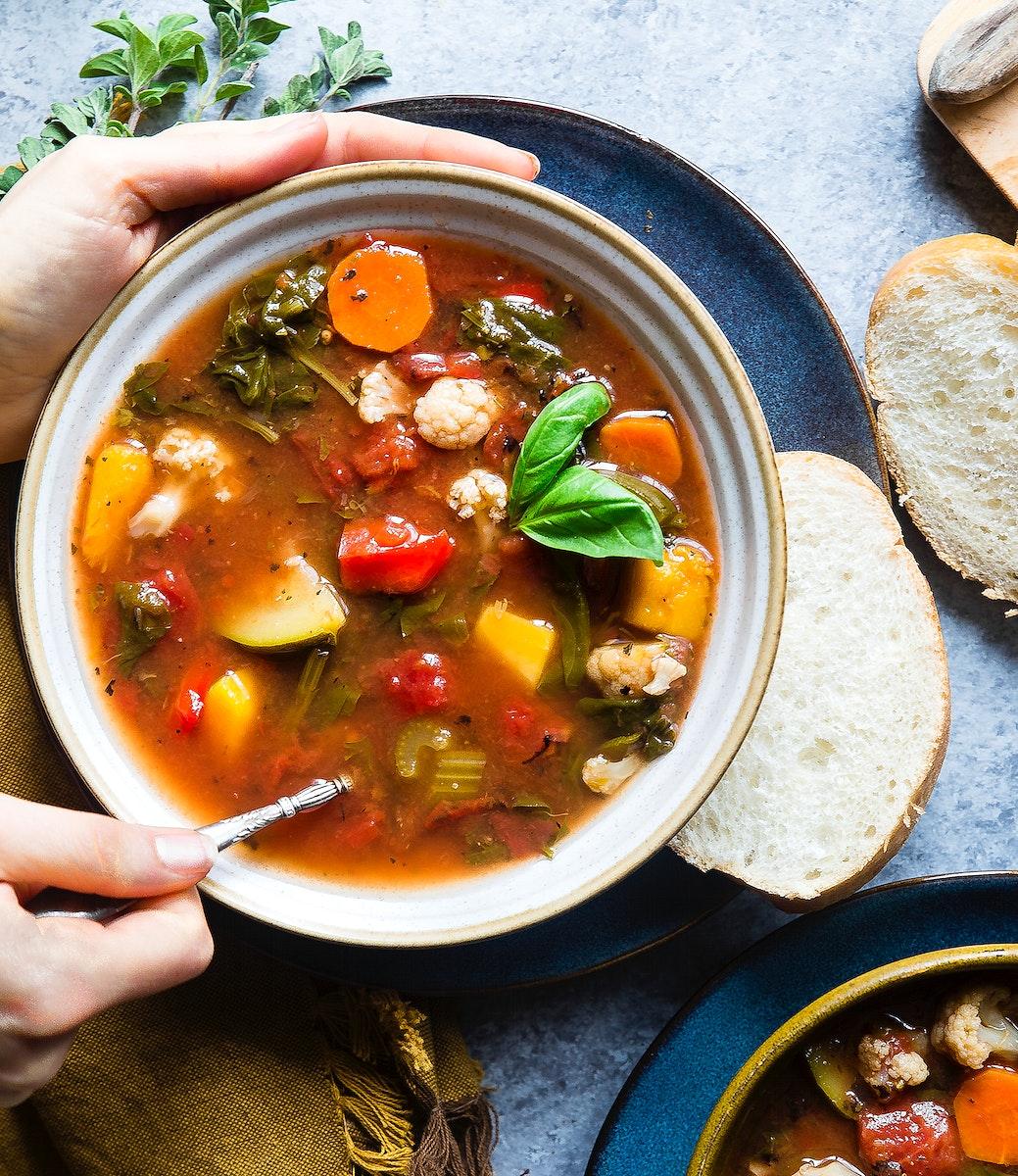 Homemade crockpot vegetable soup