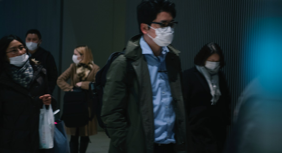 Commuters wearing disposable masks hoping to prevent the spread of corona virus (COVID-19) on February 27th, 2020. Yokohama…