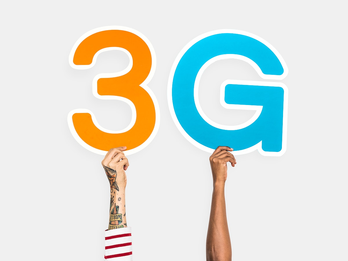 Hands holding up colorful letters forming the abbreviation 3G