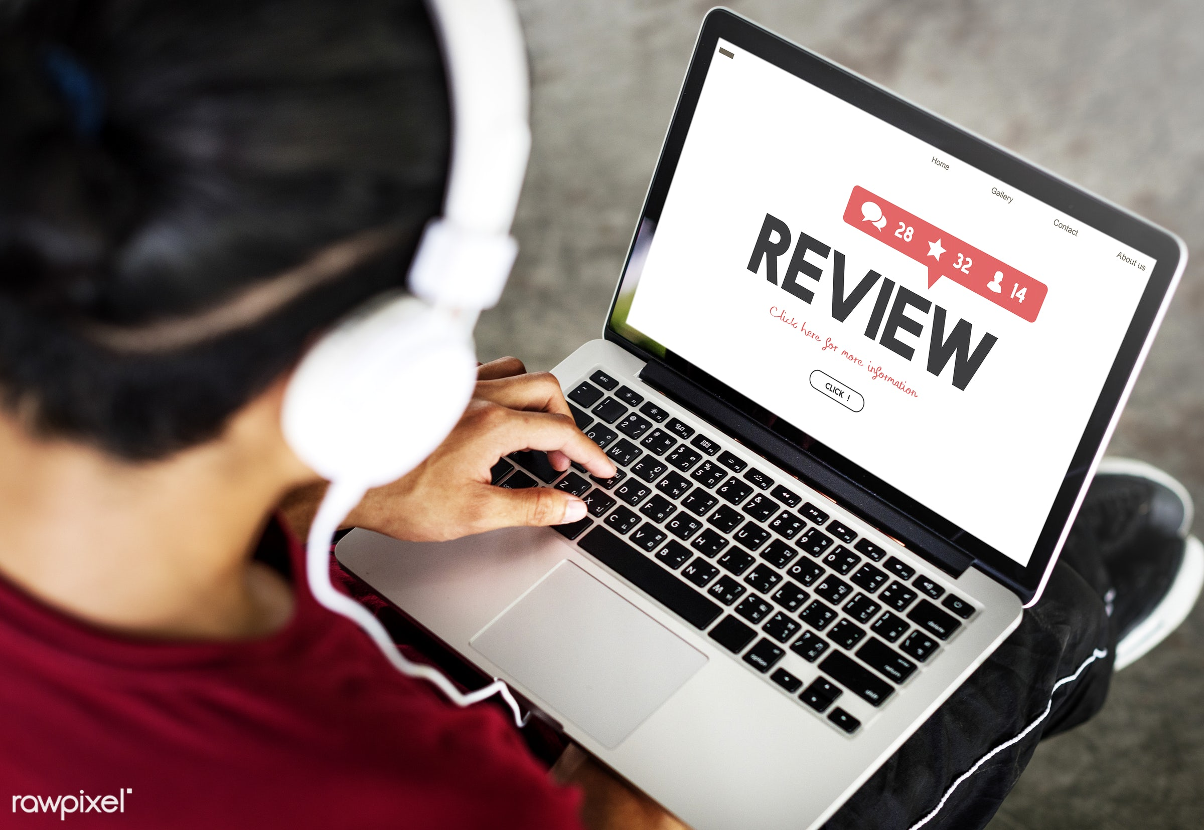 Online review - review, laptop, evaluation, feedback, comment, satisfaction, music, listen, survey, browse, browsing, choice...