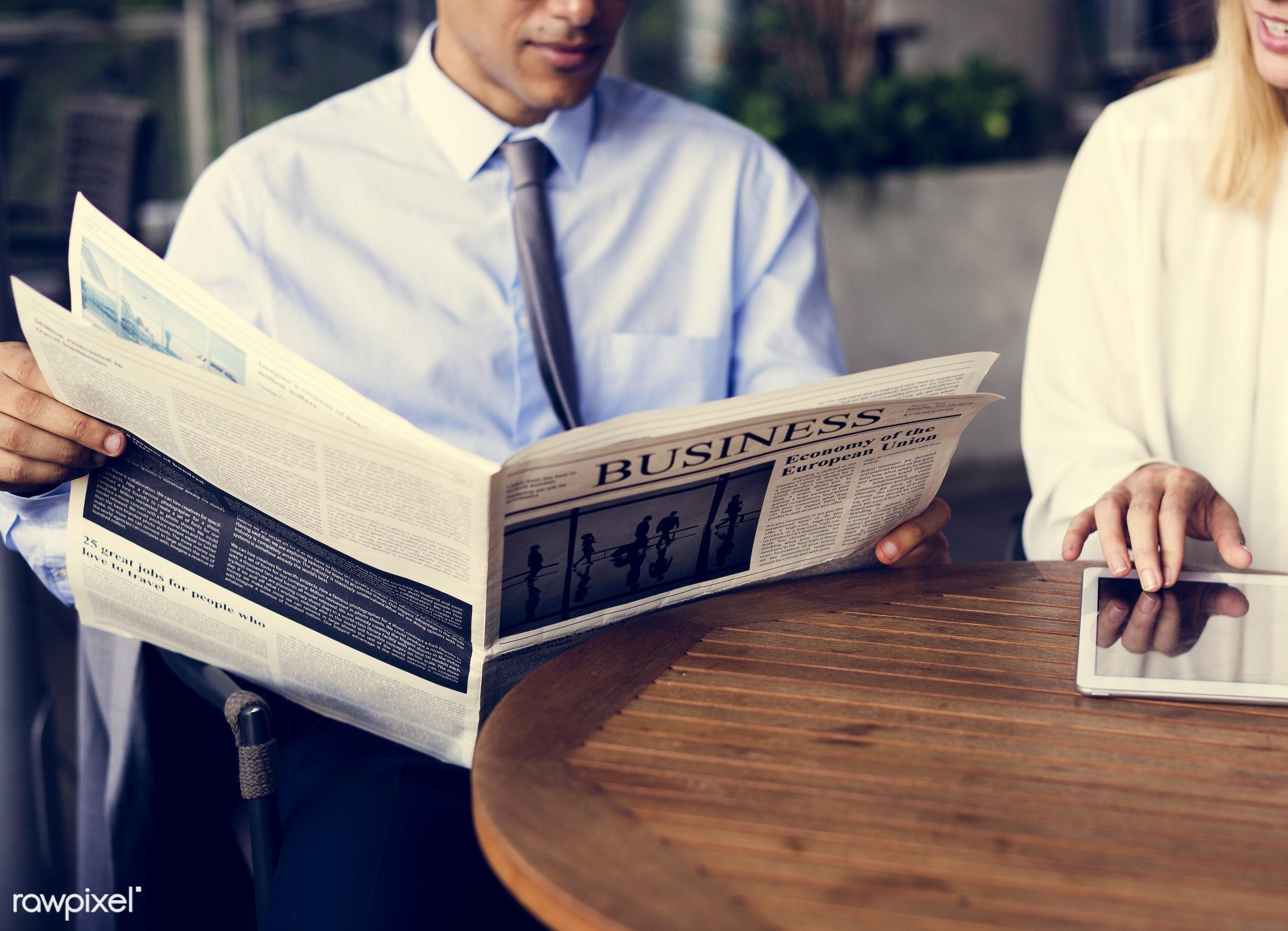 update, call, using, person, white collar worker, tie, people, business, break, friends, businesswomen, hands, woman,...