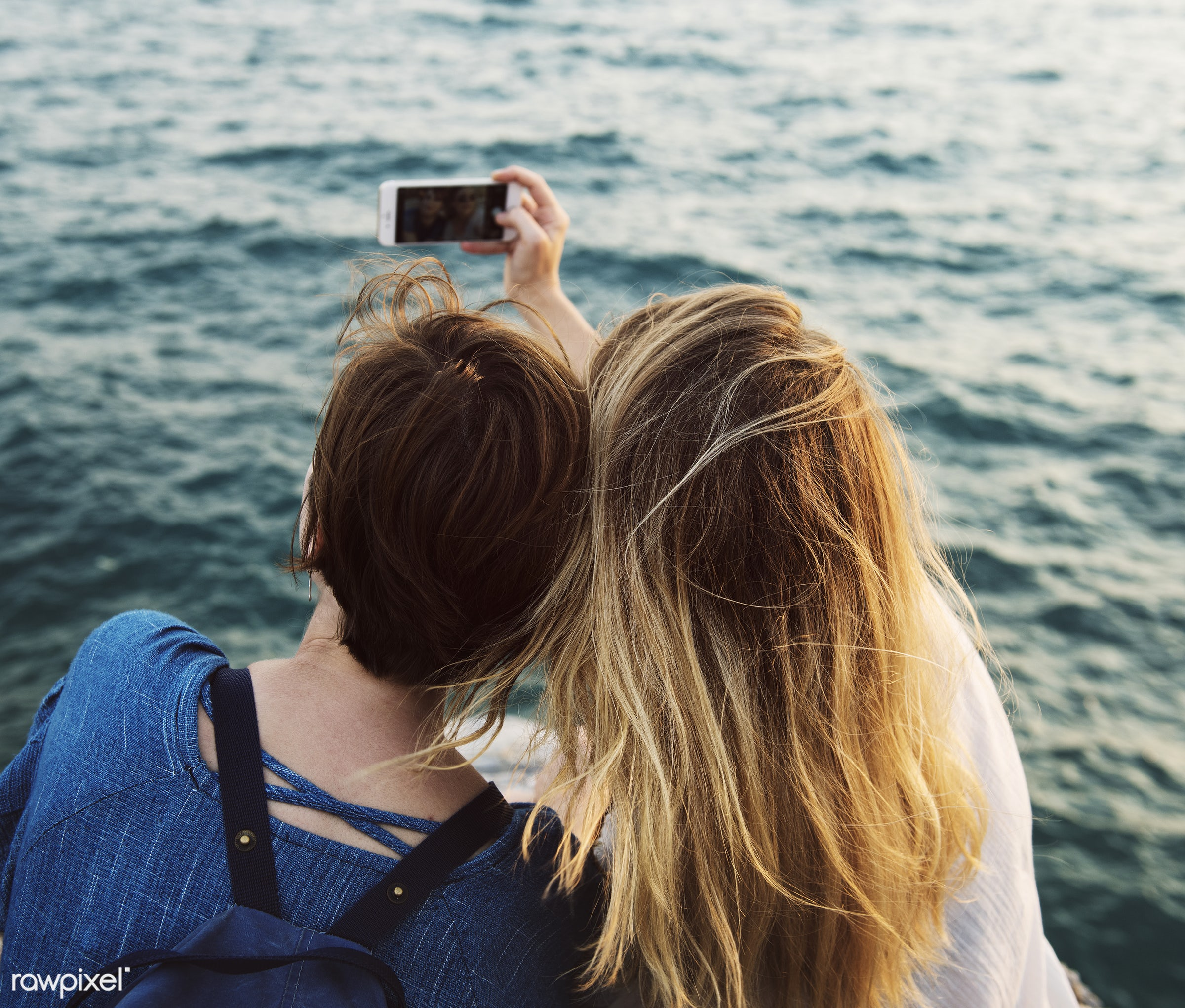 phone, joy, holidays, ocean, travel, carefree, digital, together, caucasian, wanderlust, adventure, friends, travelling,...