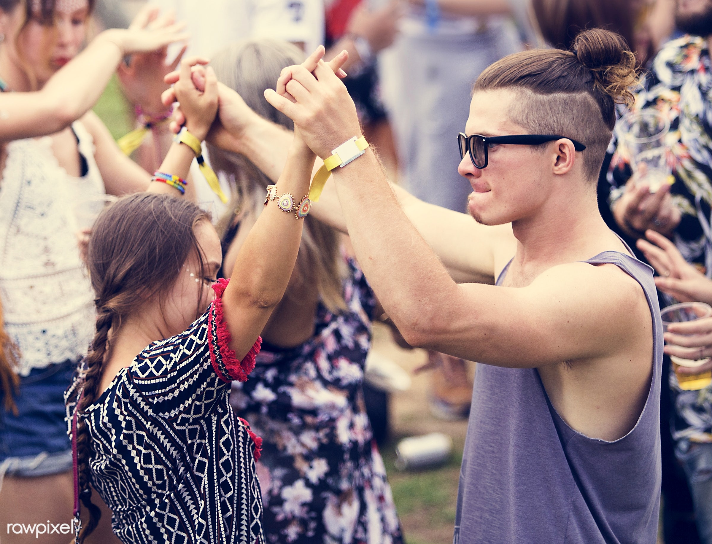 concert, bonding, party, people, friends, event, lifestyle, weekend, friendship, leisure, happiness, fun, youth, holiday,...