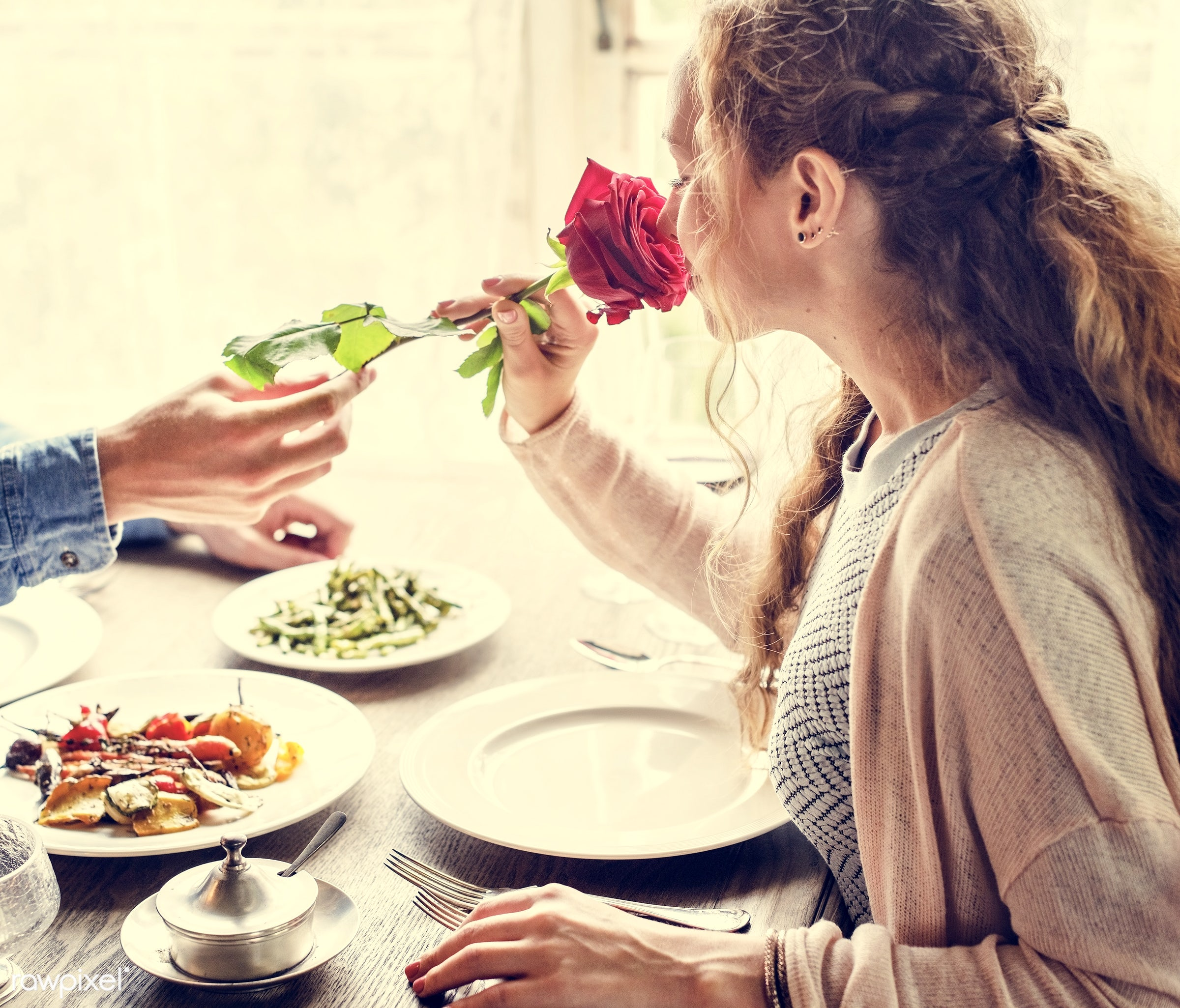 expression, person, people, together, love, gather, woman, lunch, cheerful, flower, hold, happiness, table, dinner, present...