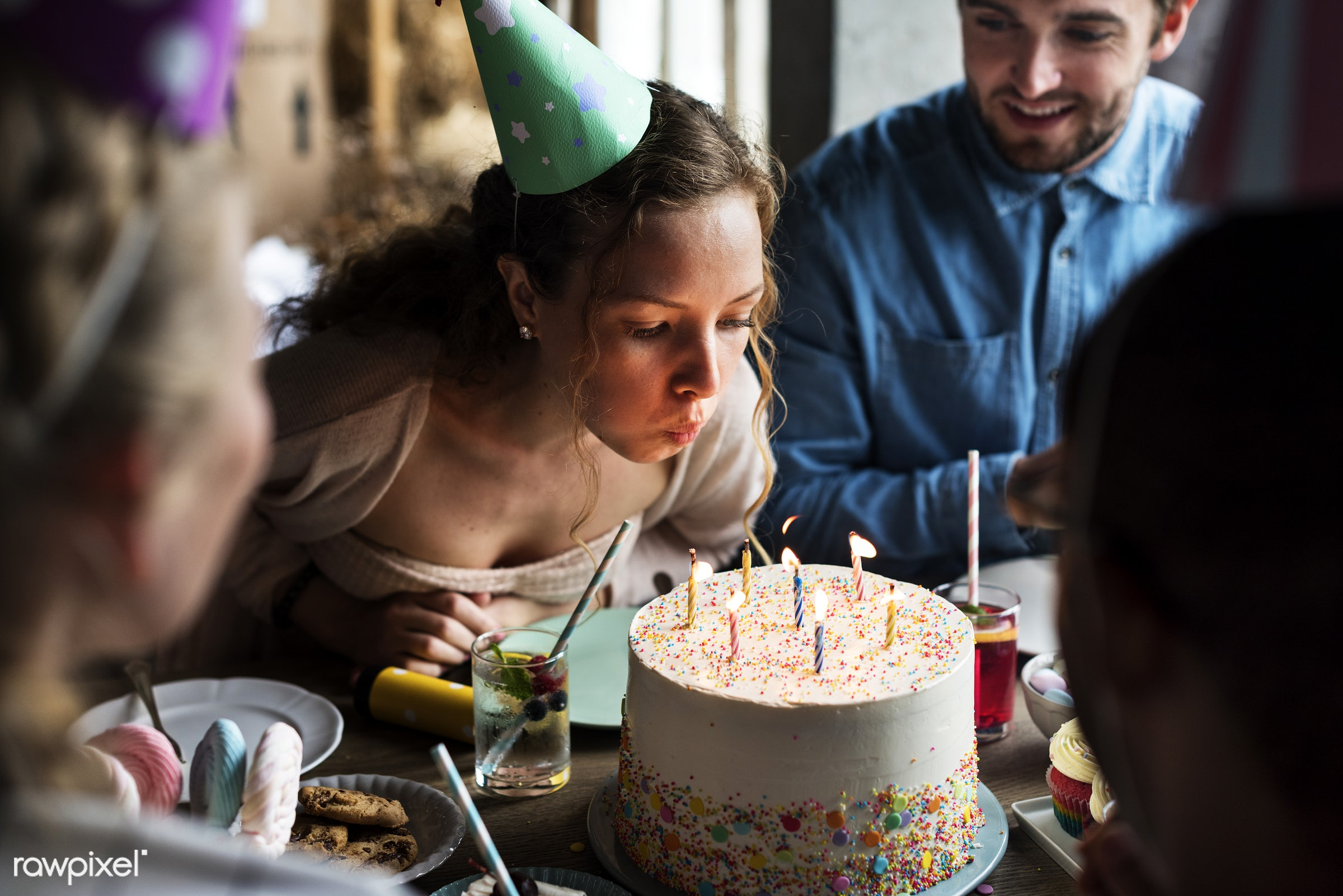 birthday, gift, person, relax, diverse, occasion, party, people, friends, bakery, happy, woman, gather, hangout, friendship...
