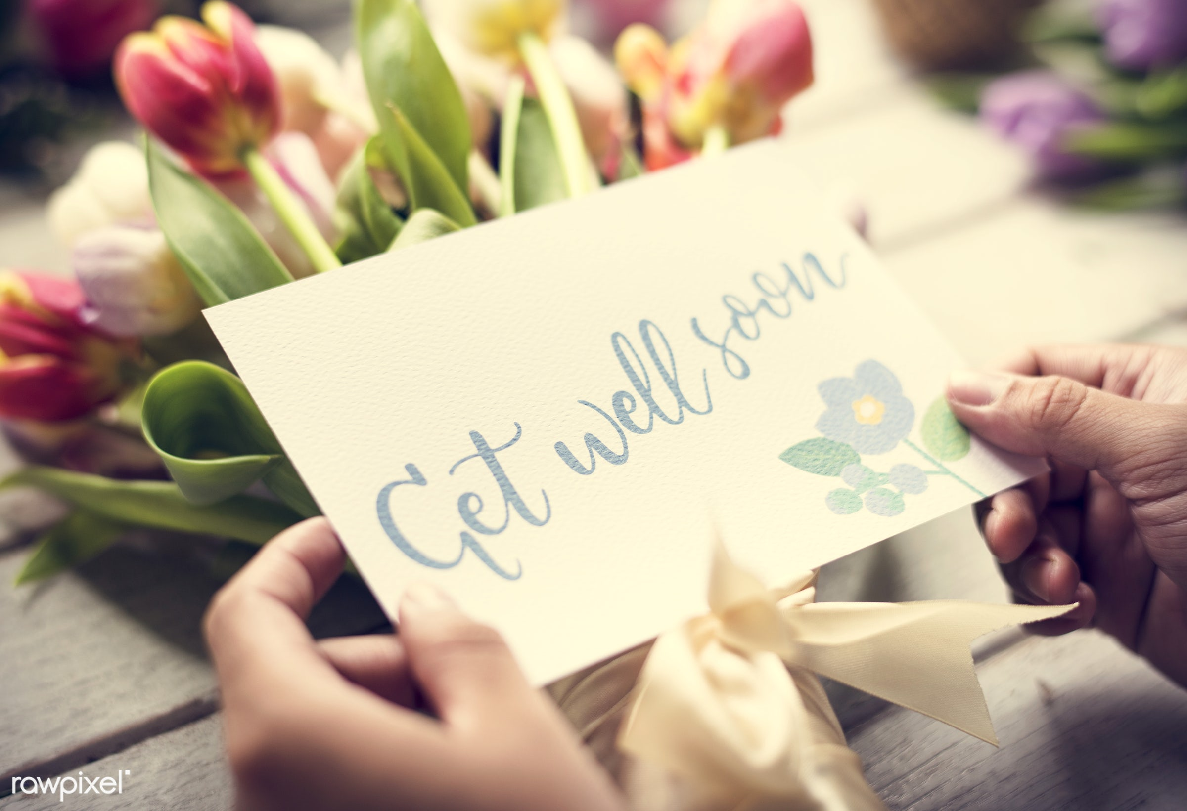 bouquet, detail, person, wish, show, people, decor, nature, card, flowers, get, greeting, hold, refreshment, florist,...