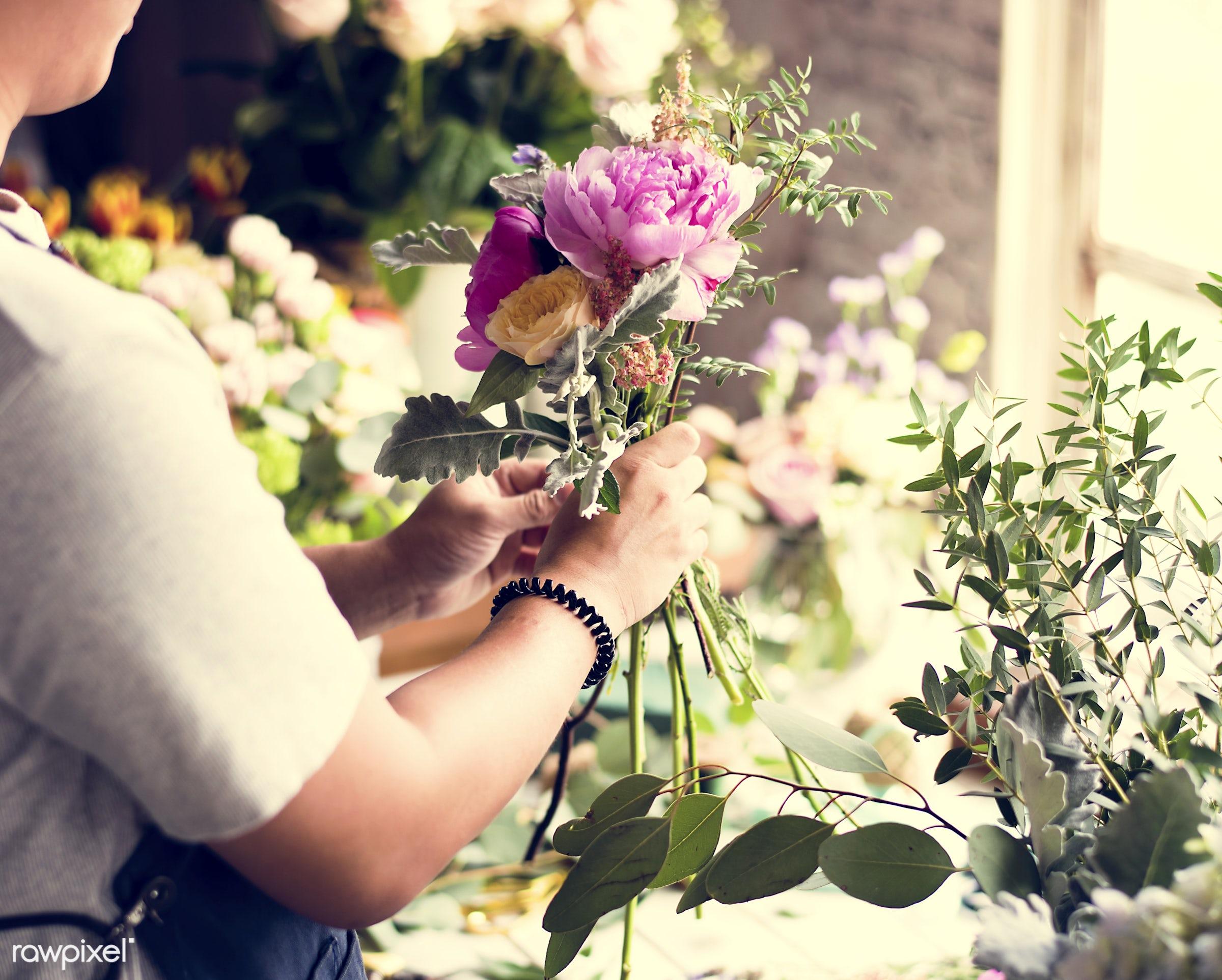 bouquet, shop, detail, person, people, decor, nature, flowers, work, refreshment, hold, career, florist, present,...