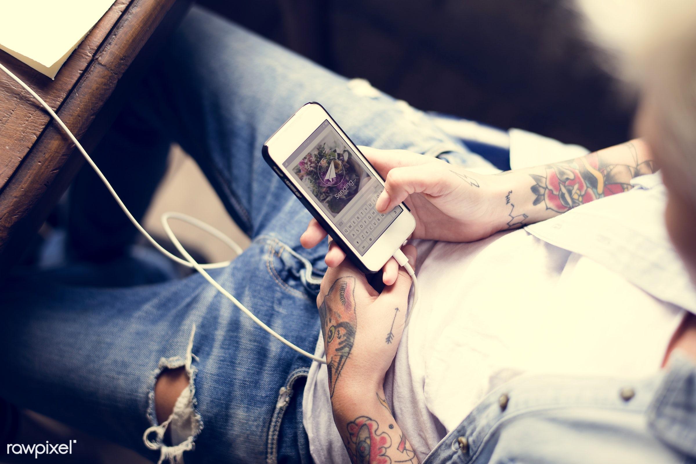 detail, person, phone, technology, send, holding, download, show, people, caucasian, break, telecommunication, woman,...