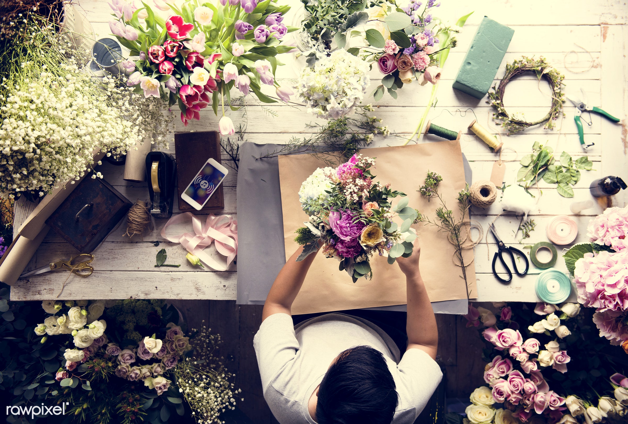 bouquet, shop, detail, person, people, decor, nature, flowers, work, refreshment, hold, career, florist, present,...