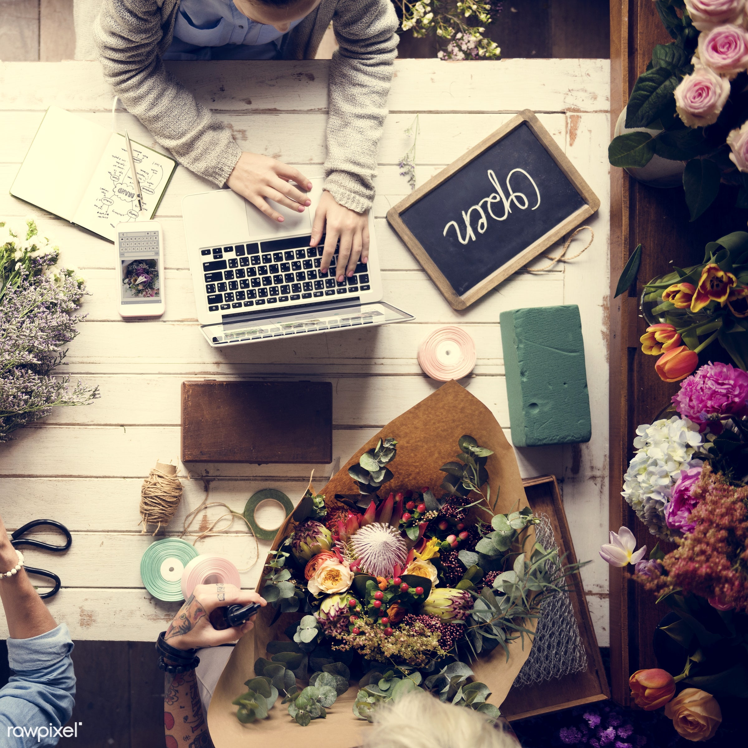 bouquet, using, craft, person, store, handicraft, equipment, people, rustic, self-employed, friends, woman, laptop, flower,...