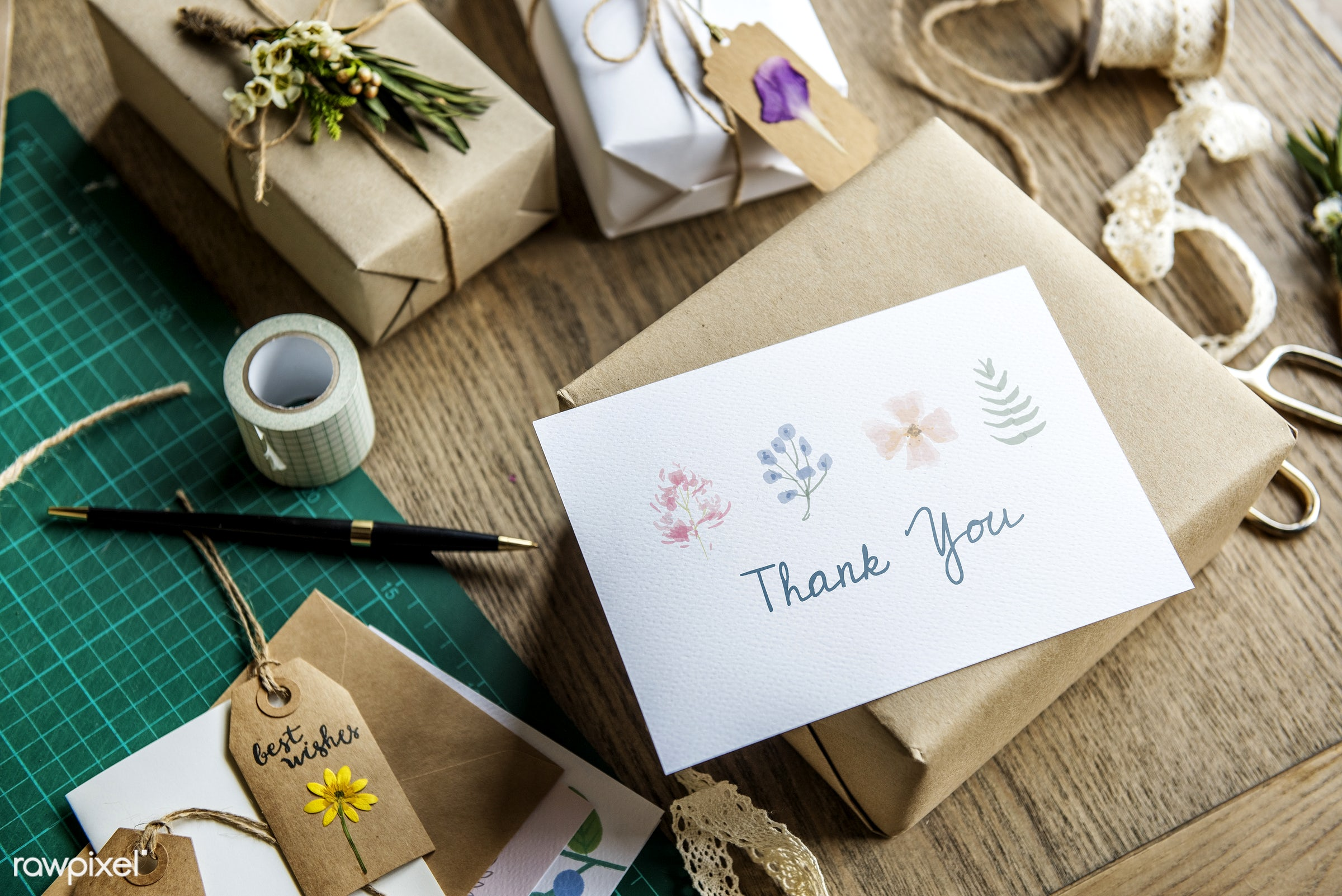 craft, person, thank you, wrapped, wish, handicraft, show, people, dried, rope, ribbon, action, card, flowers, flower, wrap...