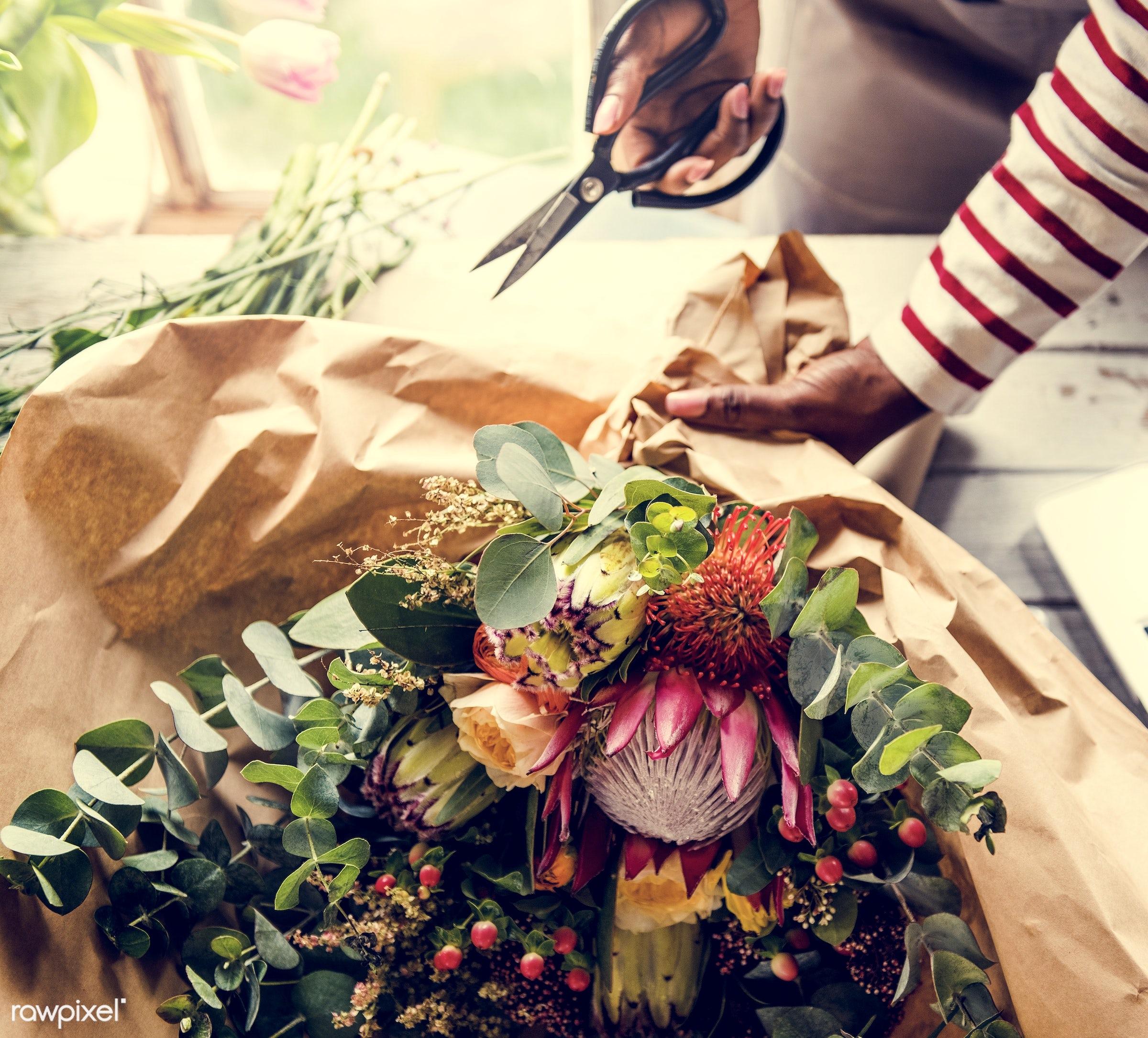 bouquet, shop, detail, person, people, decor, nature, woman, flowers, work, refreshment, florist, present, arrangement,...