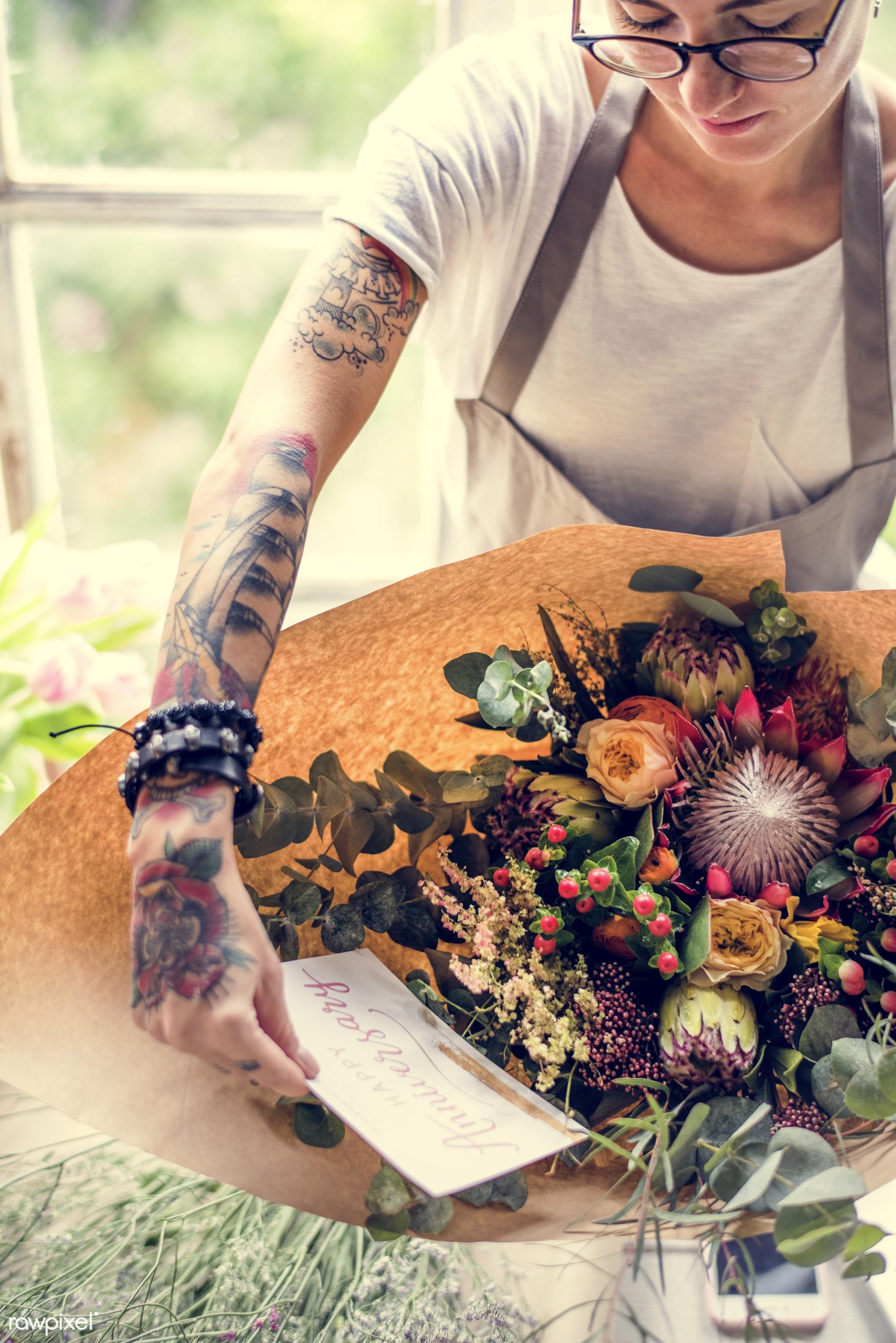 shop, bouquet, detail, person, people, wax flower, decor, nature, woman, card, tattoo, flowers, work, refreshment, florist,...