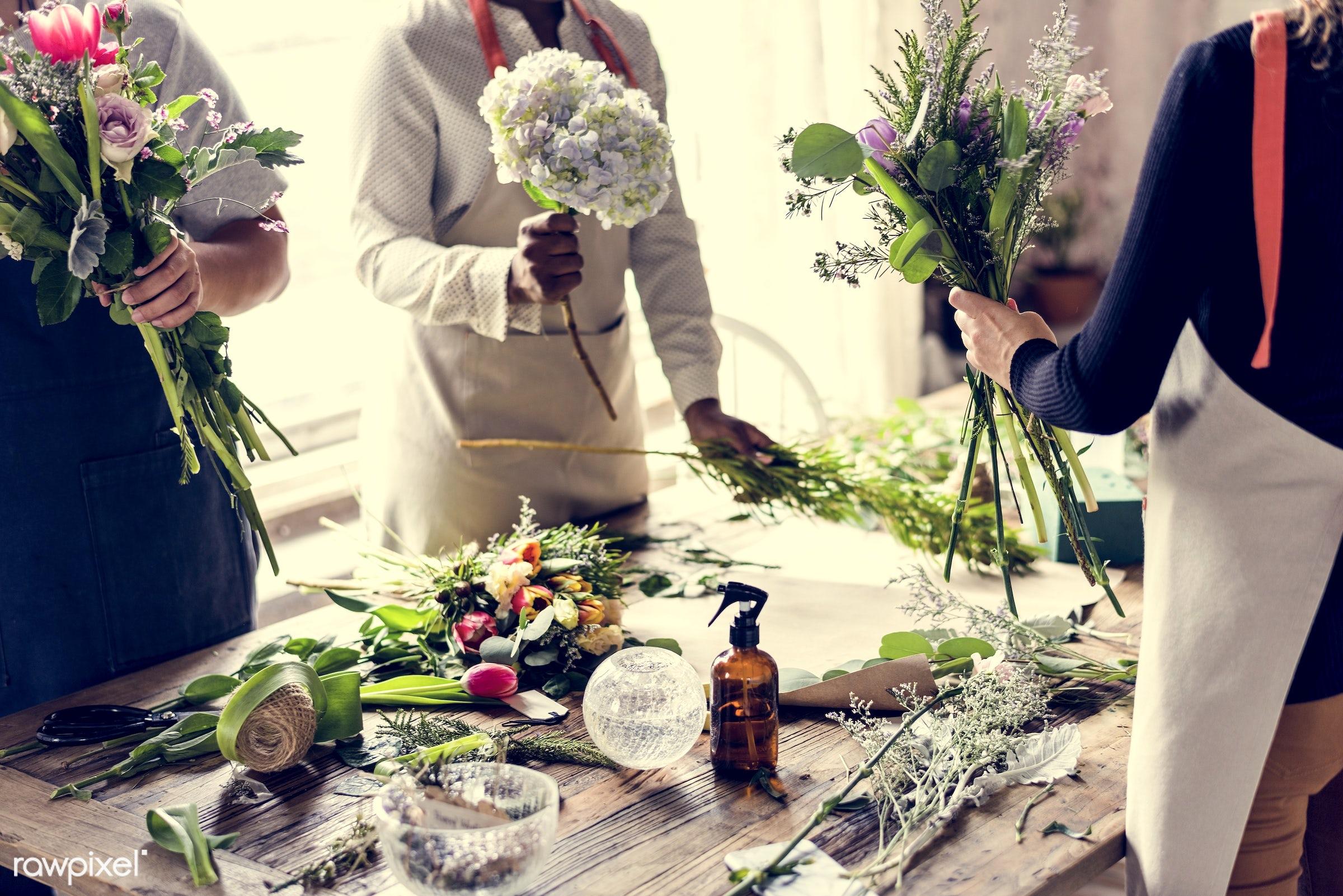 bouquet, shop, detail, person, people, decor, nature, flowers, work, hold, refreshment, career, florist, present,...