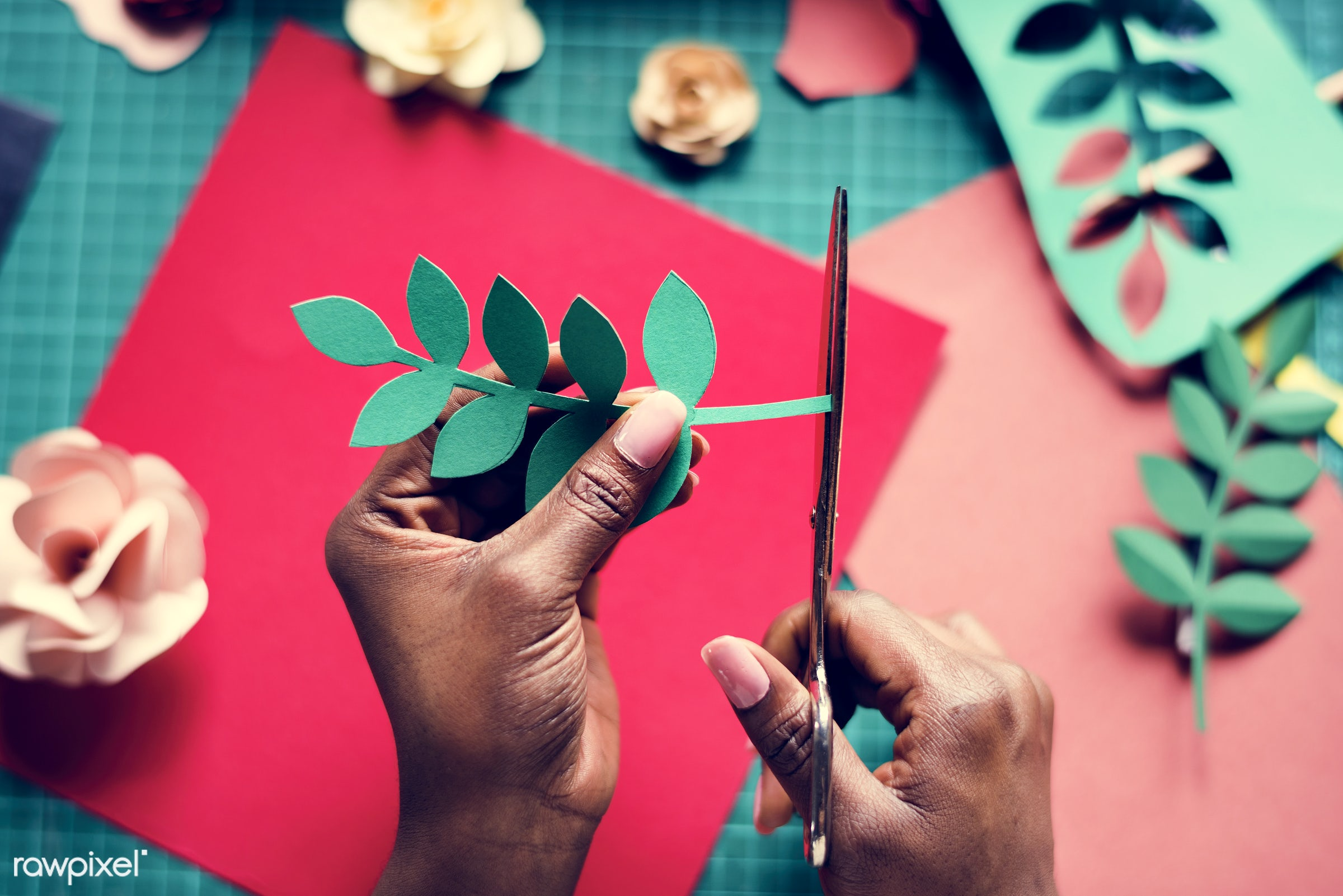 using, person, craft, handicraft, leaf, leaves, people, artwork, dried, woman, action, flowers, paper craft, art, hold,...