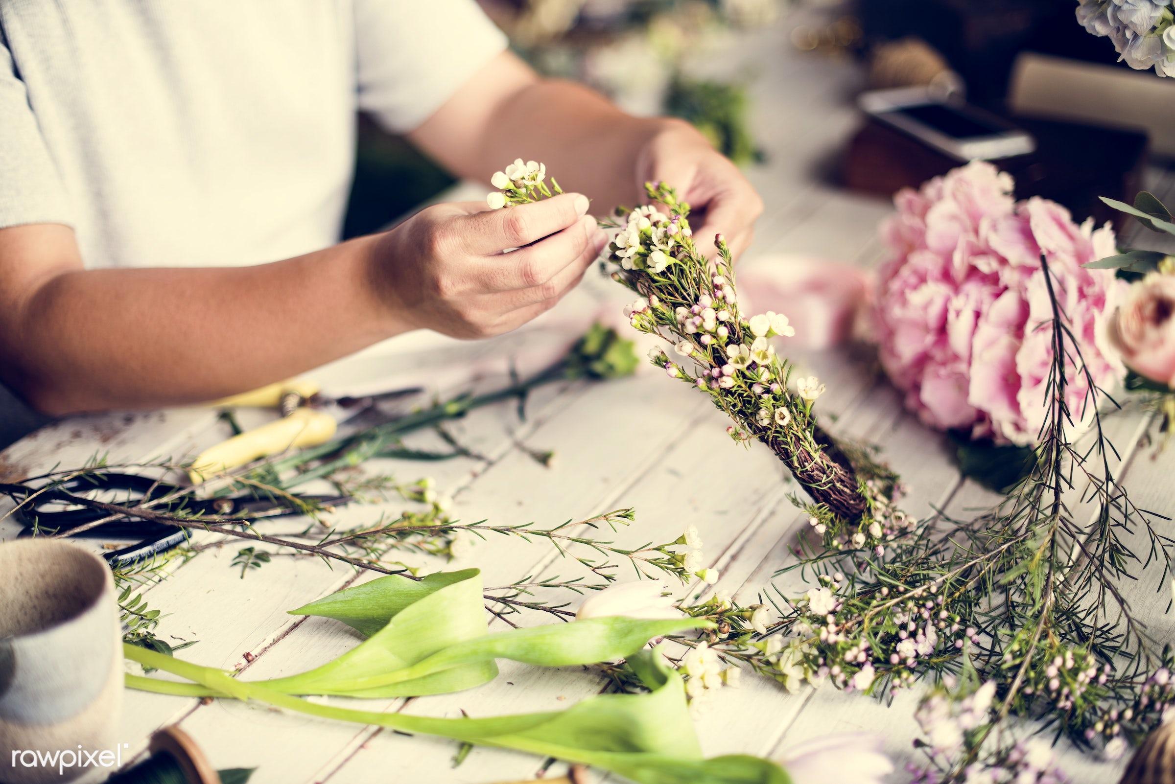 shop, detail, person, people, wax flower, decor, nature, woman, flowers, work, refreshment, carnation, florist, present,...