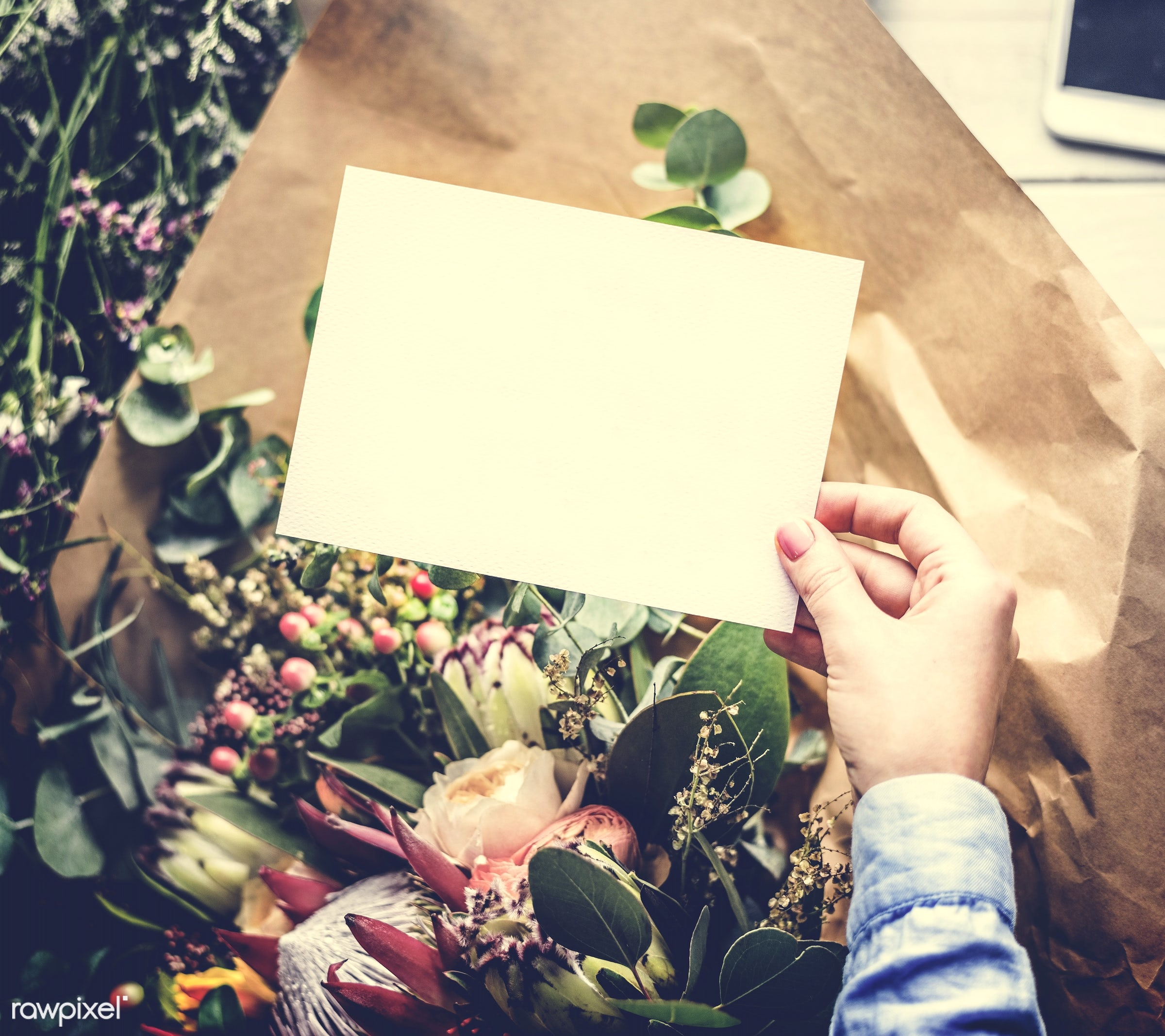 bouquet, detail, person, wrapped, wish, show, people, decor, nature, empty, card, flowers, greeting, hold, refreshment,...