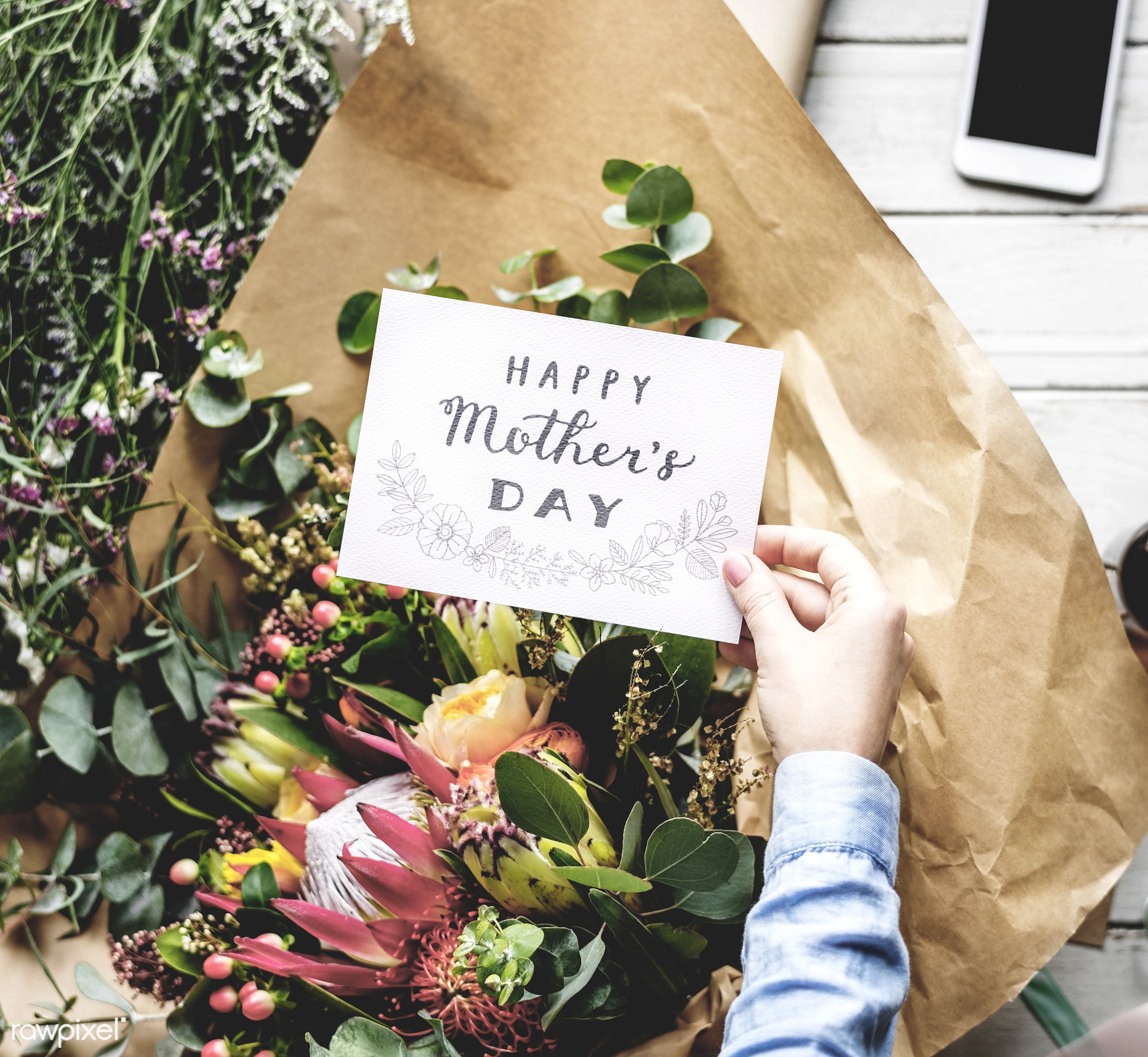 shop, bouquet, detail, person, merchandise, wish, people, decor, nature, card, flowers, work, refreshment, hold, career,...