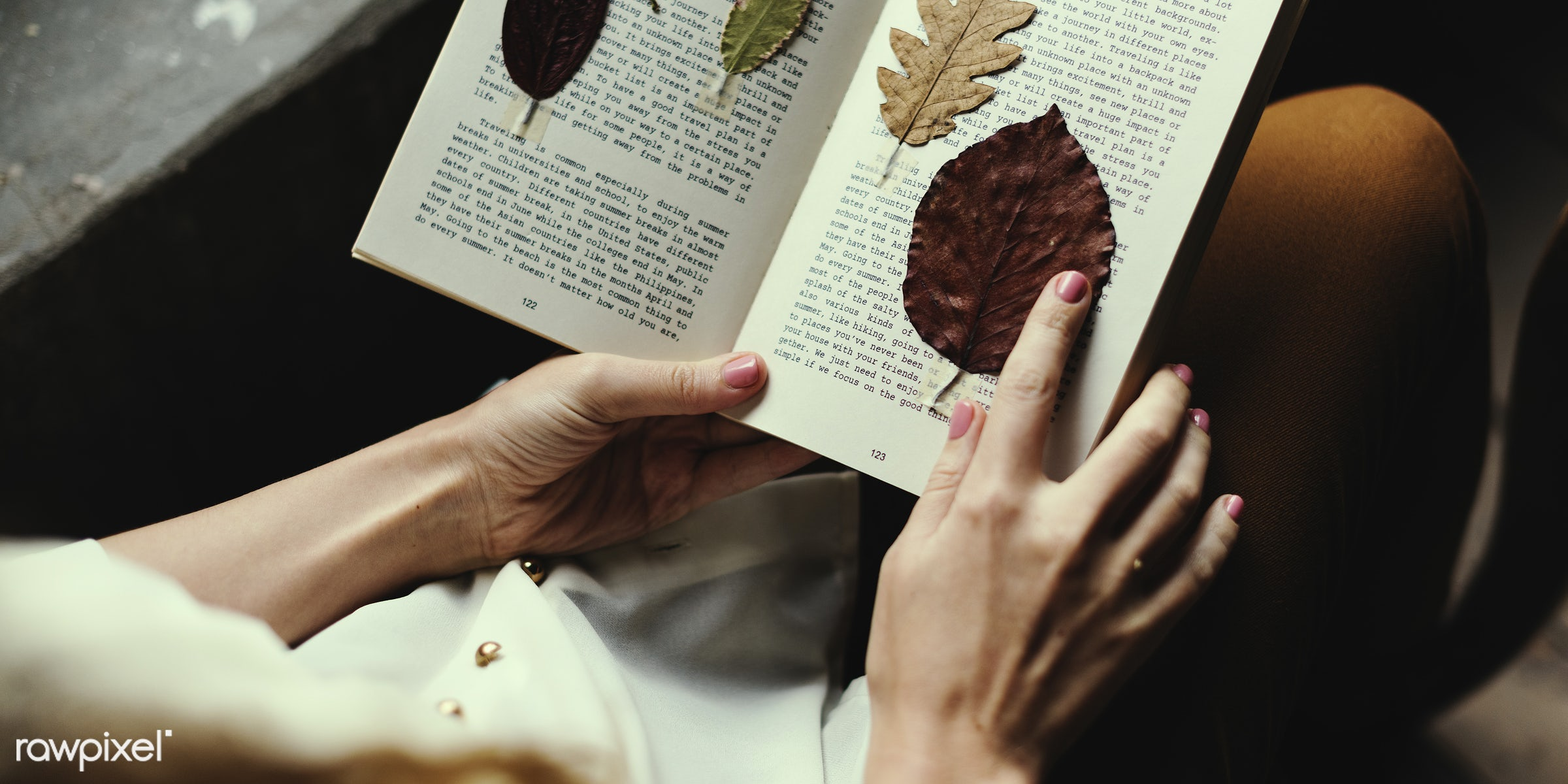 detail, person, relax, handicraft, leaf, leaves, people, decor, break, dried, nature, woman, flowers, work, hold,...