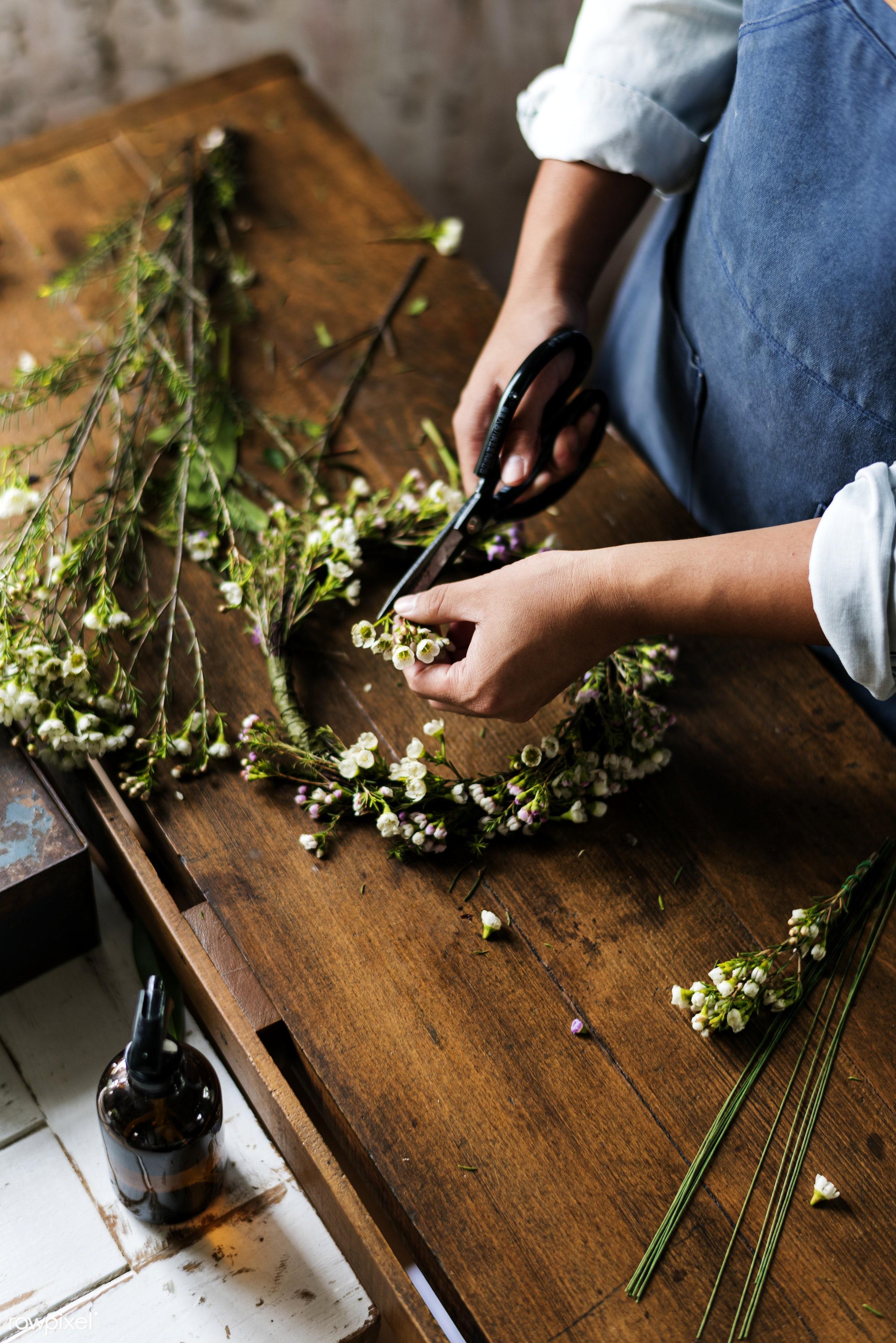shop, detail, person, merchandise, people, decor, nature, flowers, work, hold, refreshment, career, florist, present,...