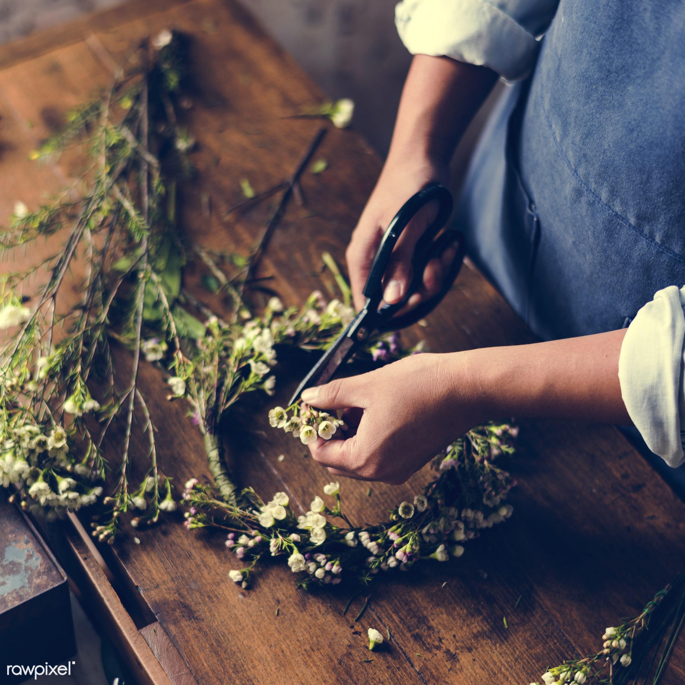 shop, person, detail, people, wax flower, decor, nature, flowers, work, refreshment, florist, present, arrangement, natural...