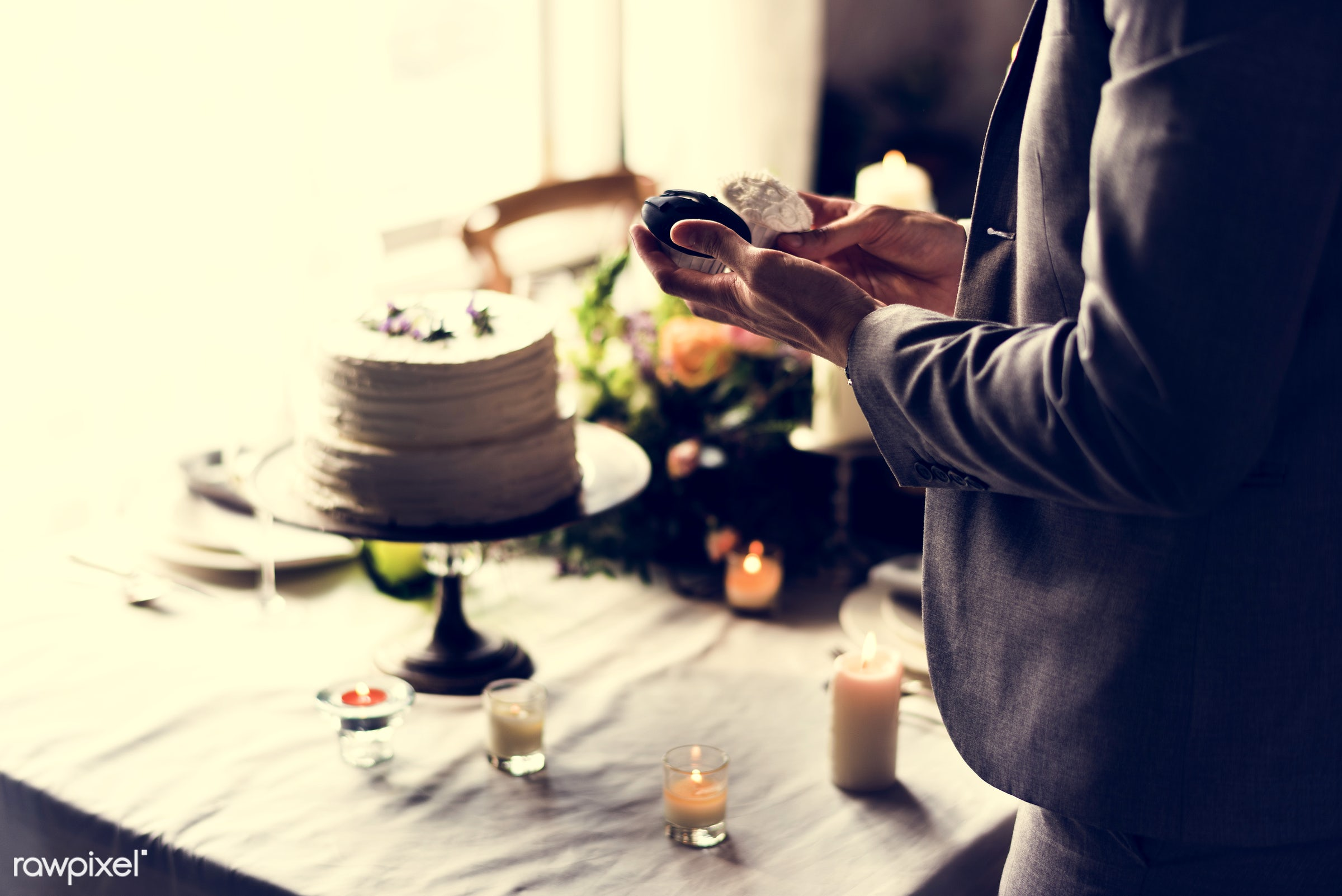 person, recipe, holding, appetite, party, taste, people, decor, married, event, candles, banquet, gourmet, dessert, cake,...