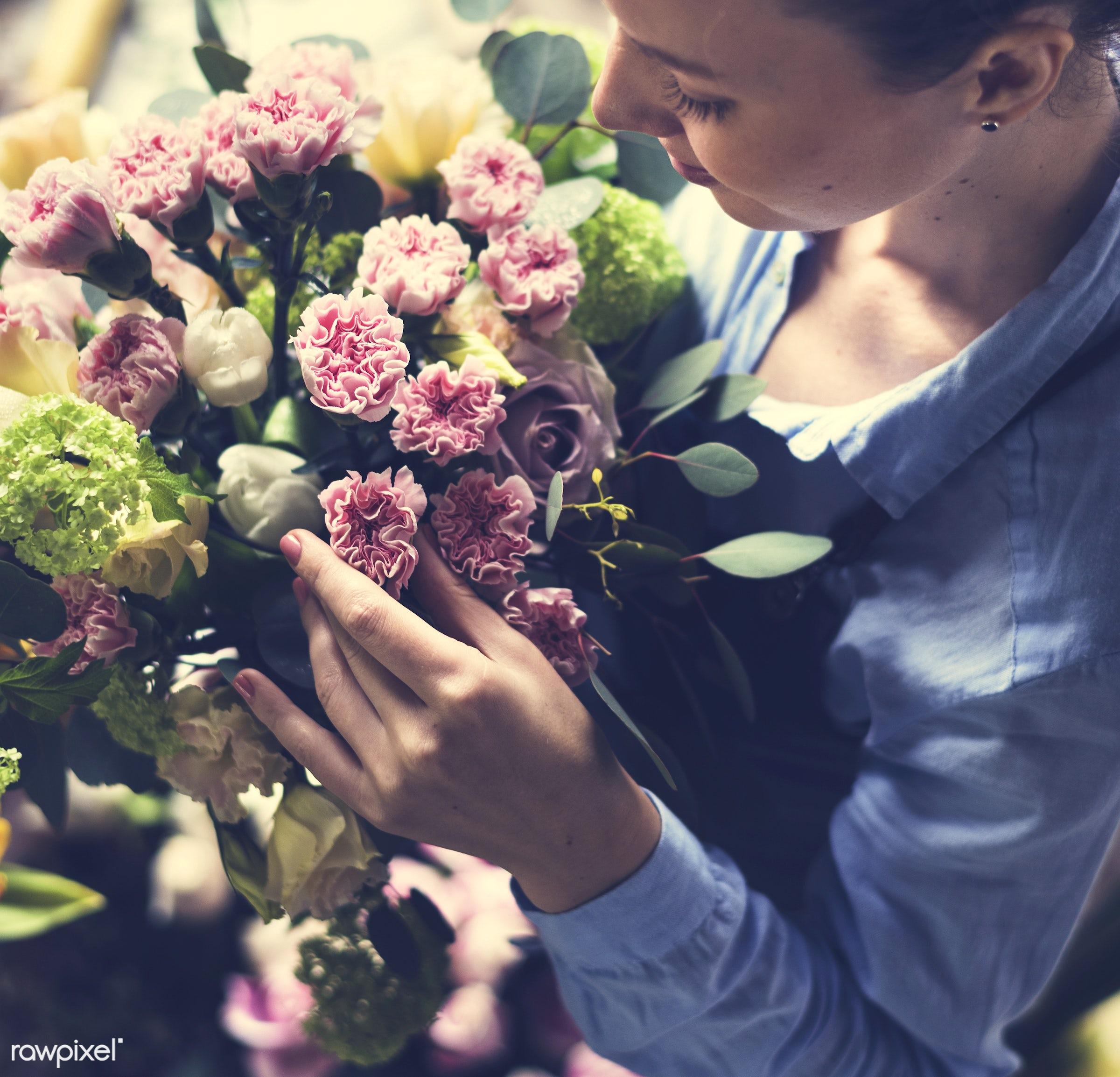 bouquet, shop, detail, person, hydrangea, people, decor, nature, woman, flowers, work, refreshment, carnation, florist,...