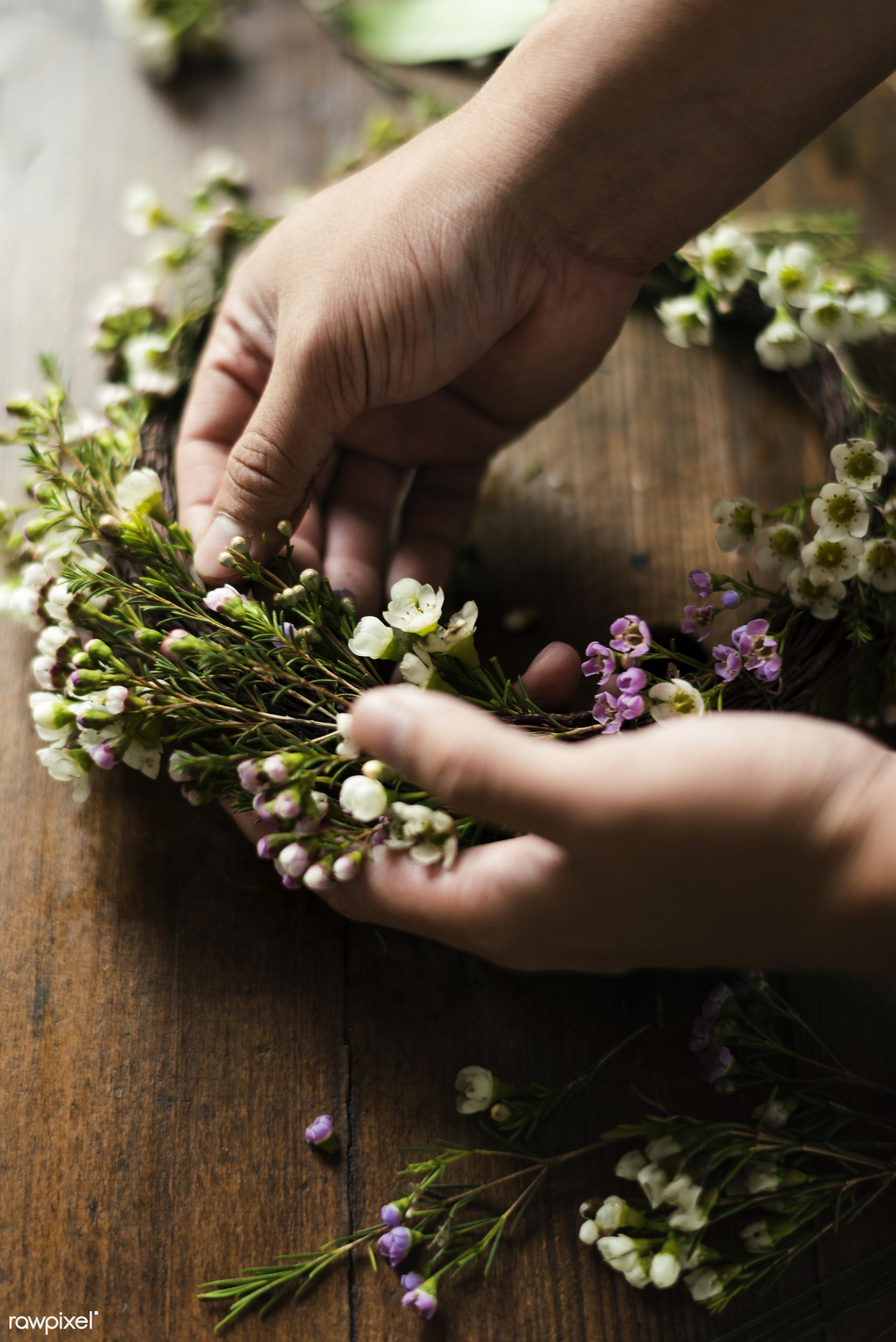 shop, detail, person, merchandise, people, decor, nature, flowers, work, refreshment, hold, career, florist, present,...