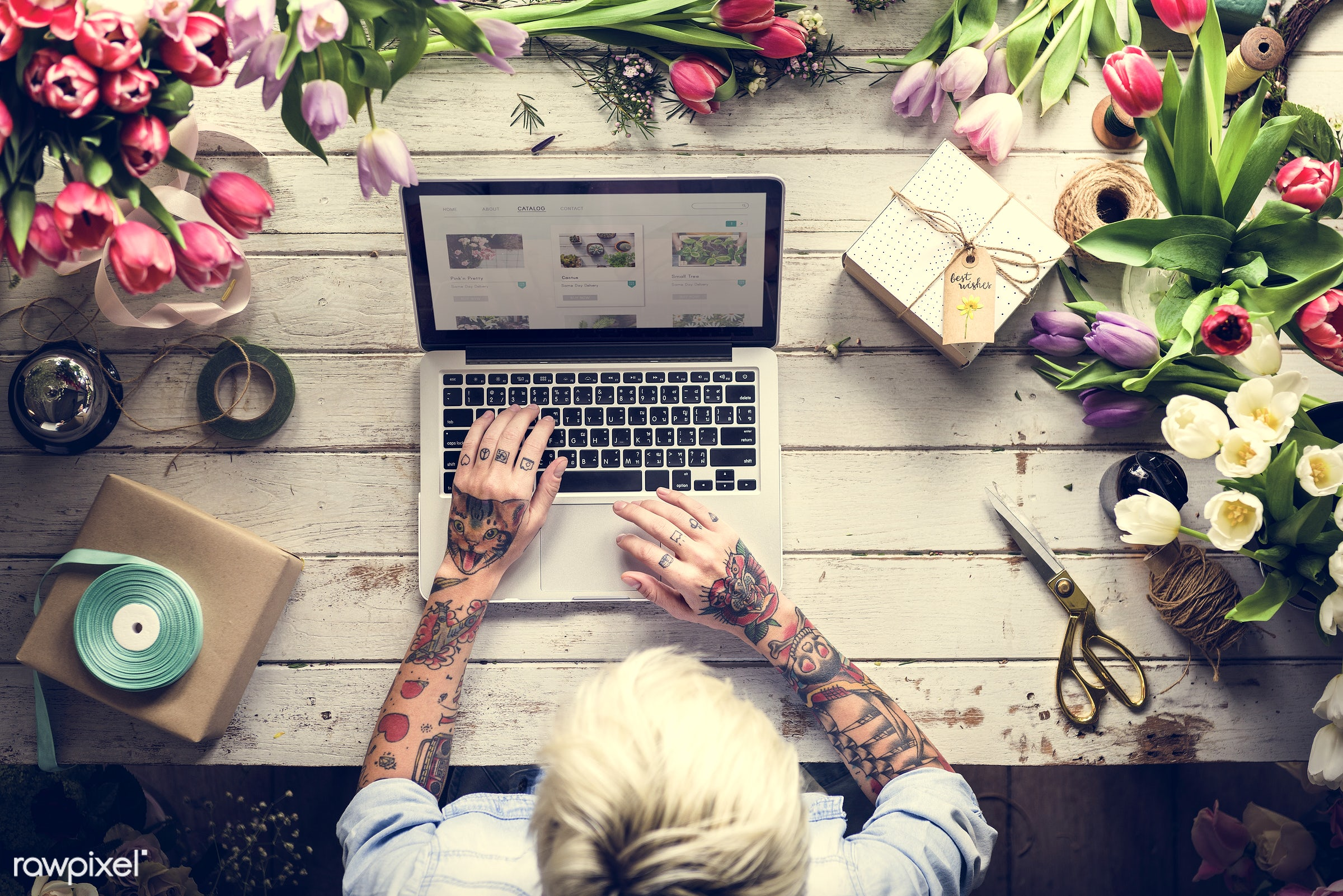 bouquet, using, craft, person, store, handicraft, people, self-employed, woman, laptop, tattoo, flower, searching, art,...