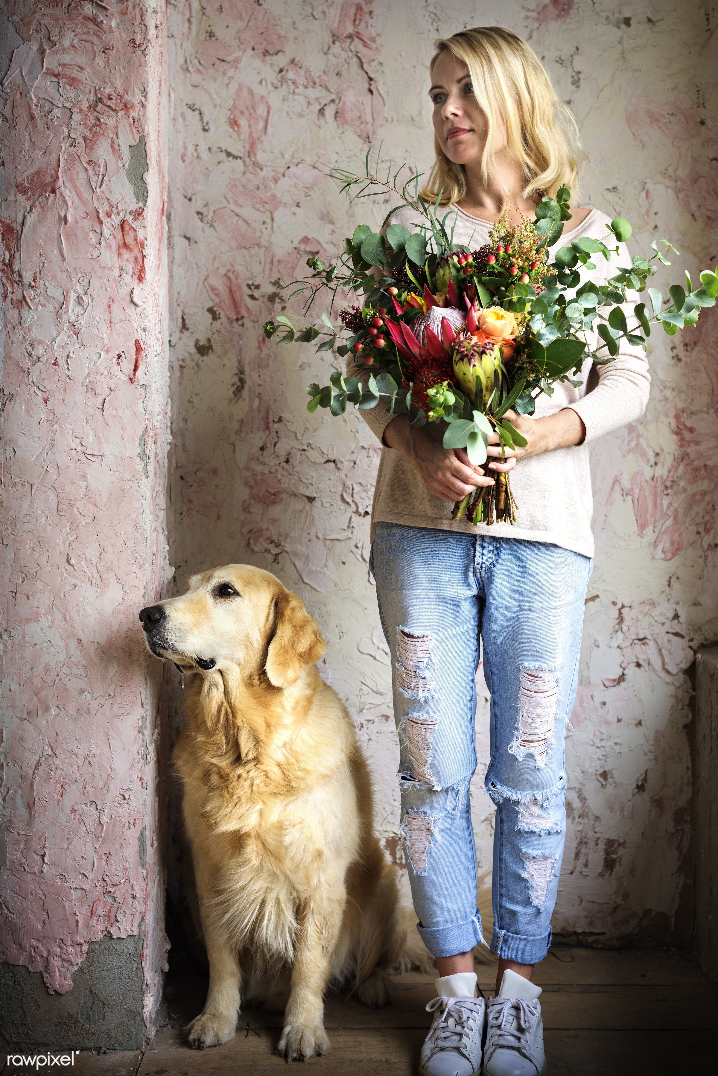 bouquet, detail, person, diverse, holding, show, people, decor, love, nature, woman, care, flowers, cheerful, refreshment,...