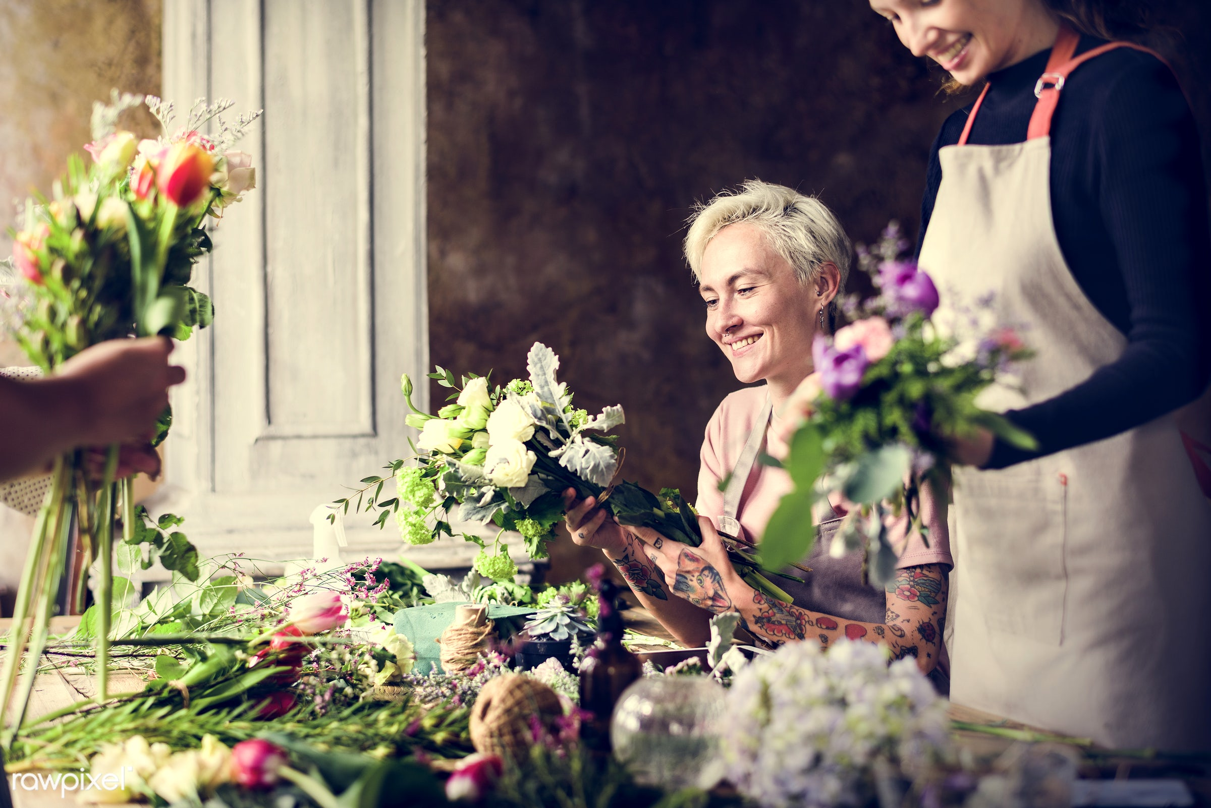 shop, bouquet, detail, person, merchandise, people, decor, nature, flowers, work, hold, refreshment, career, florist,...