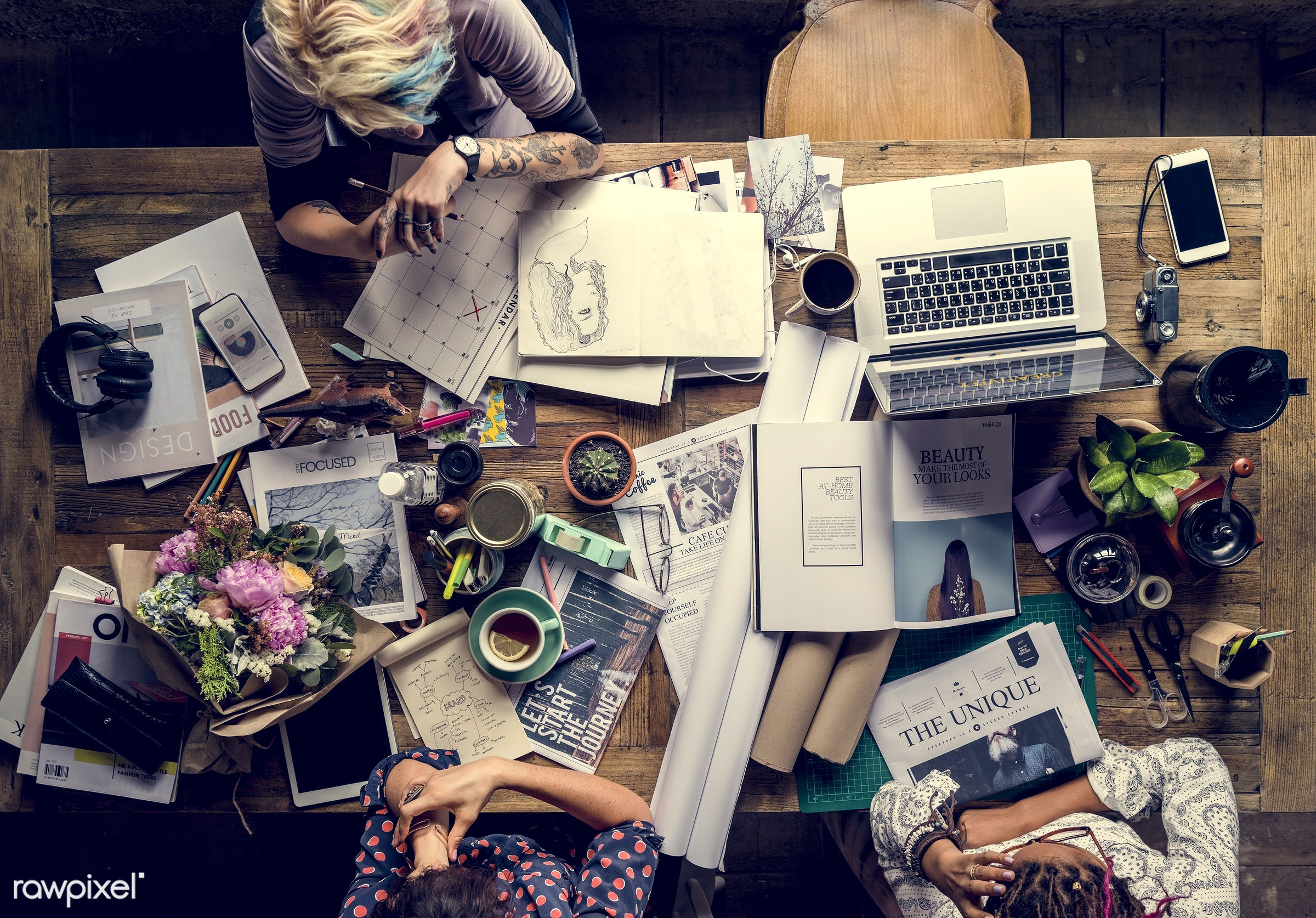person, technology, busy, equipment, people, teamwork, woman, laptop, mobile phone, working, connection, support, coffee,...